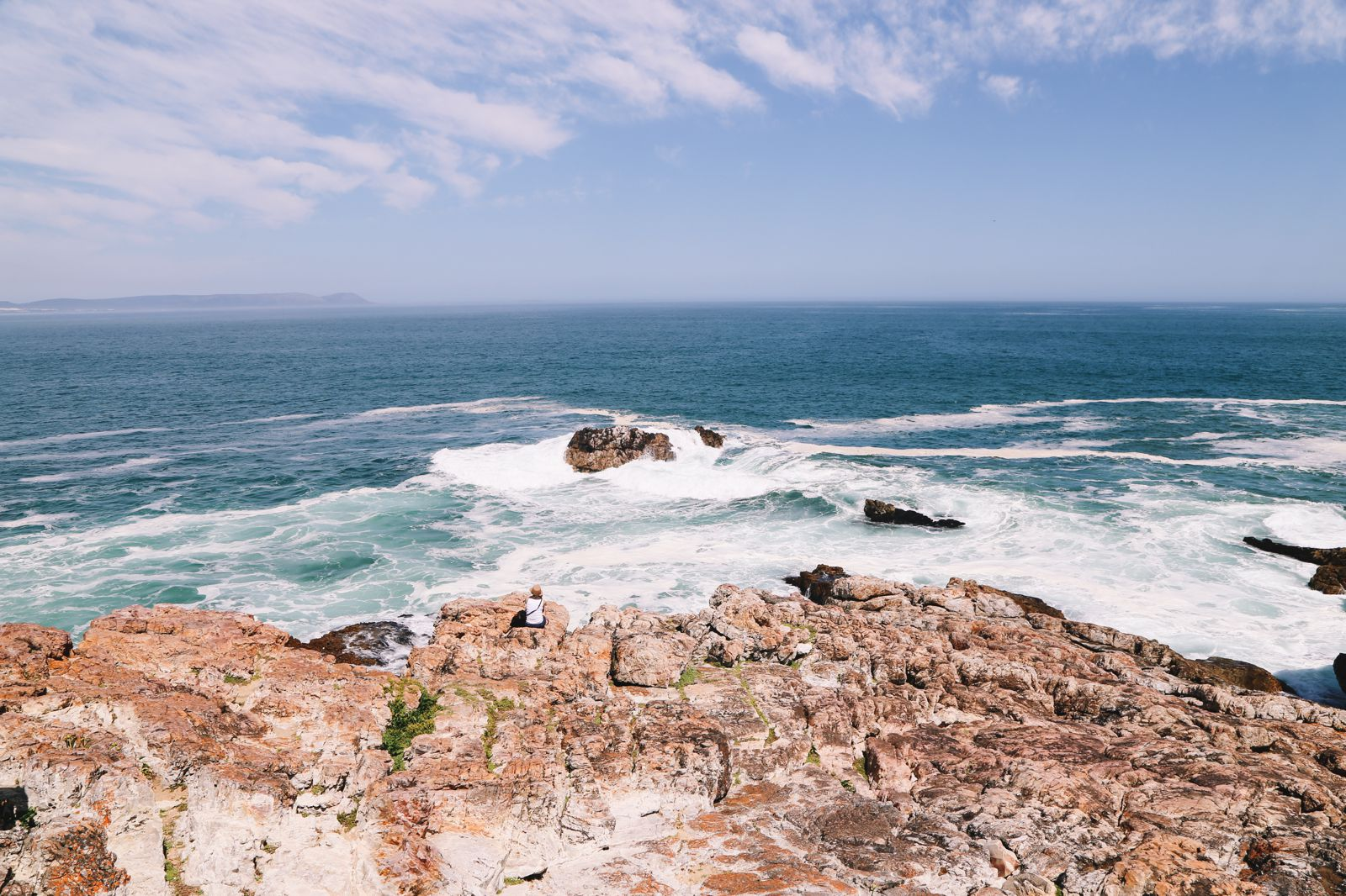 This Is The Best Place To Go Whale Watching In South Africa... And It Has Wine! (6)