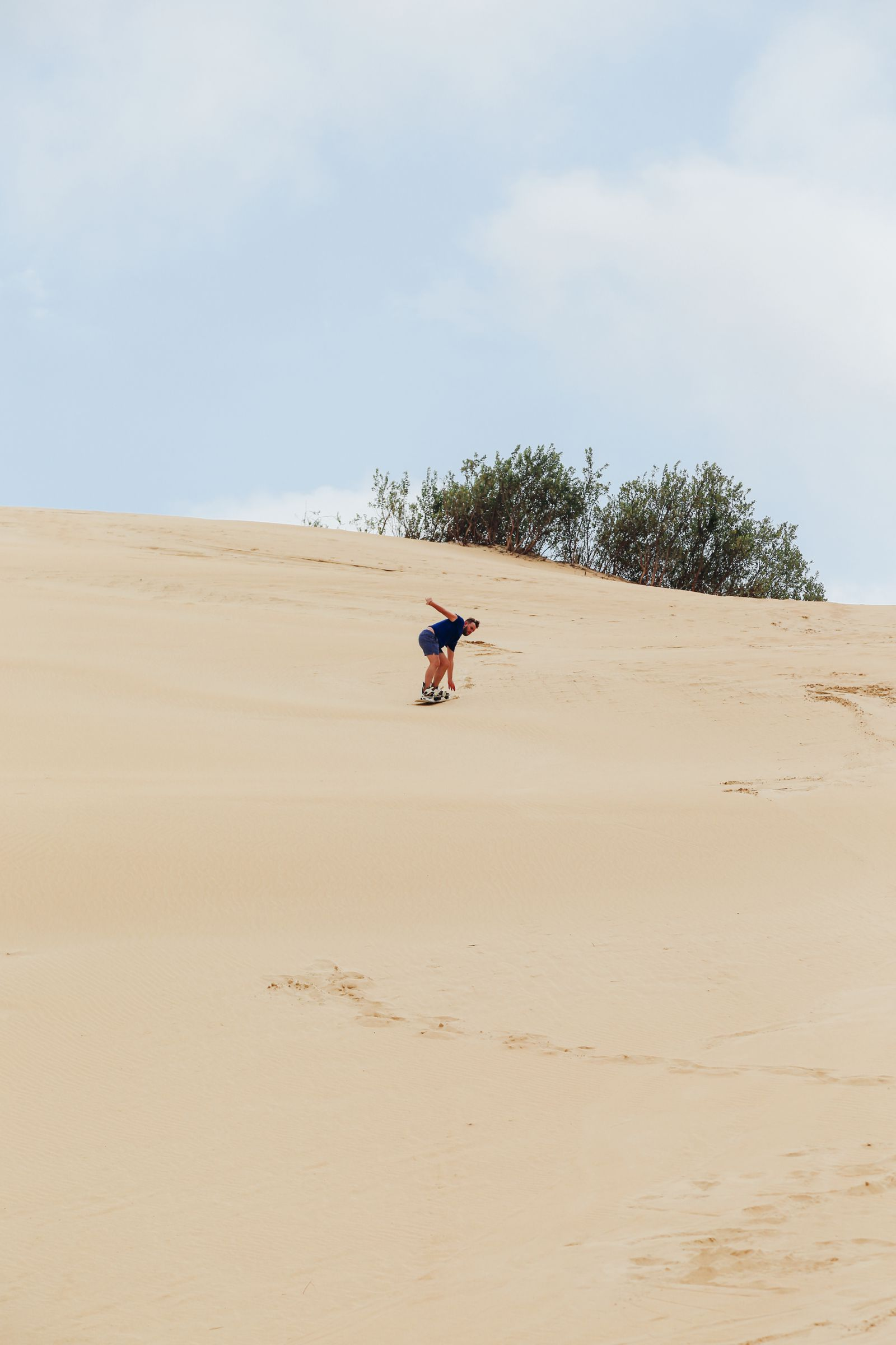 What It's Like To Try Sandboarding For The Very First Time! (22)