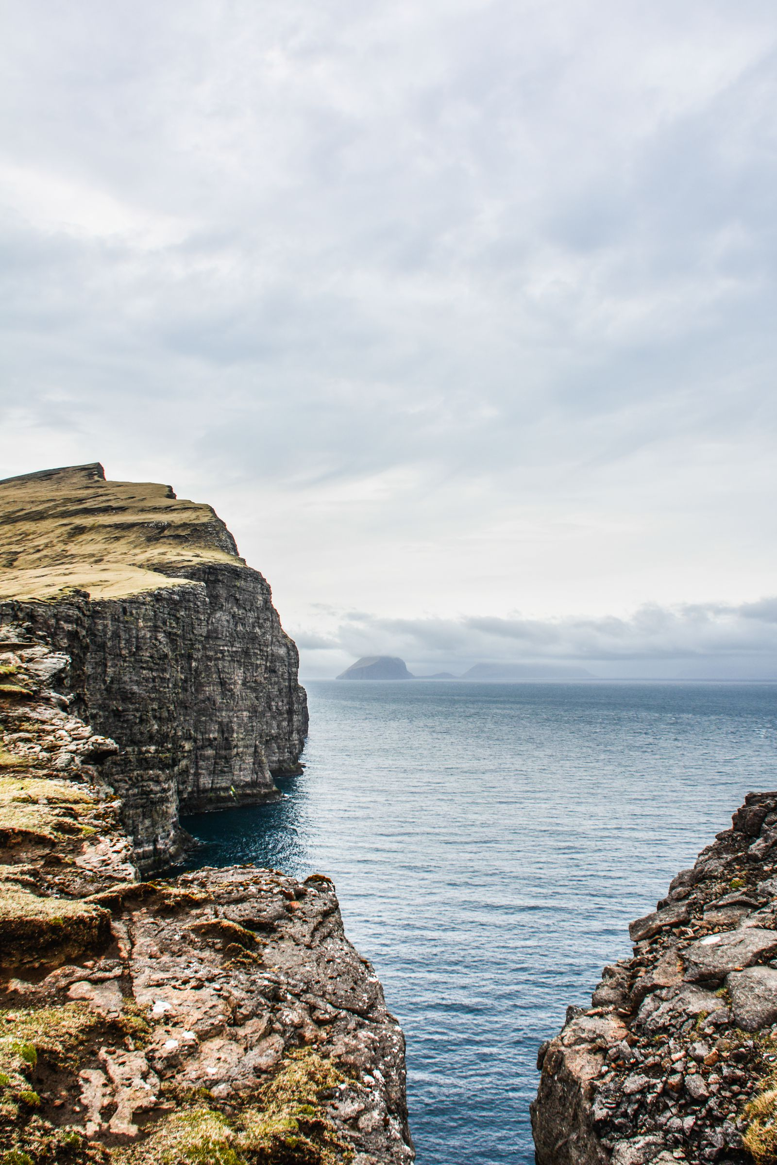 11 Dramatic Sights You Have To Explore In The Faroe Islands (5)