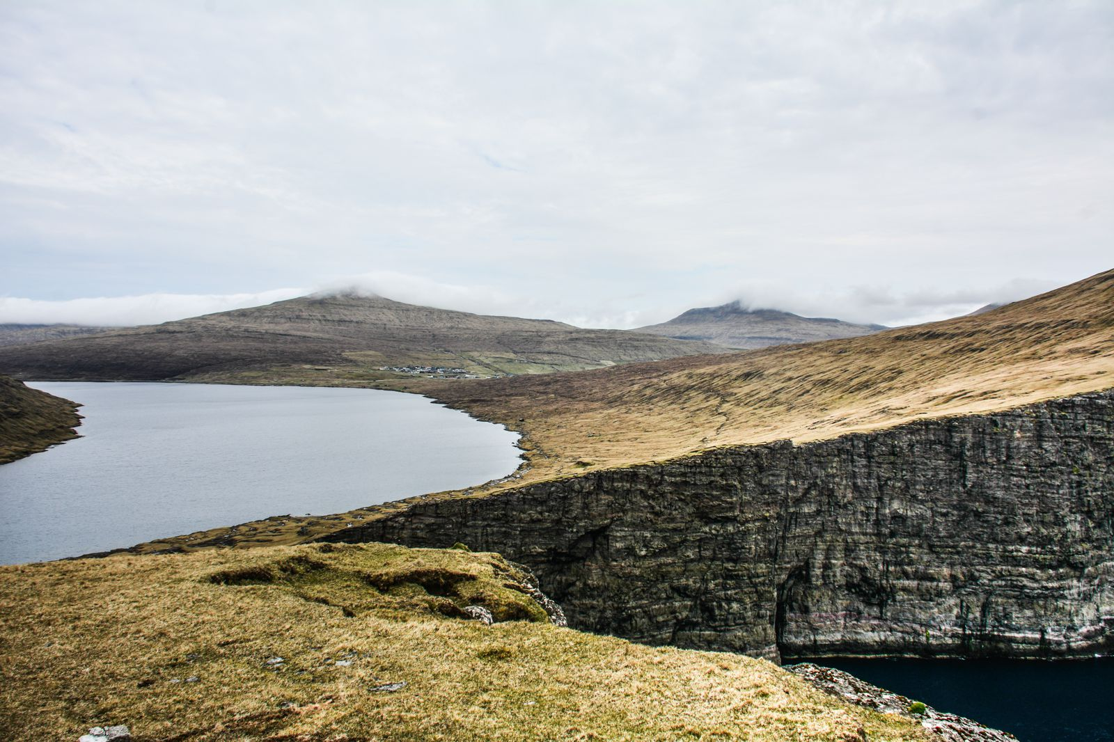 Have You Ever Seen The Cliff Top Lake of Sørvágsvatn, Faroe Islands? (13)