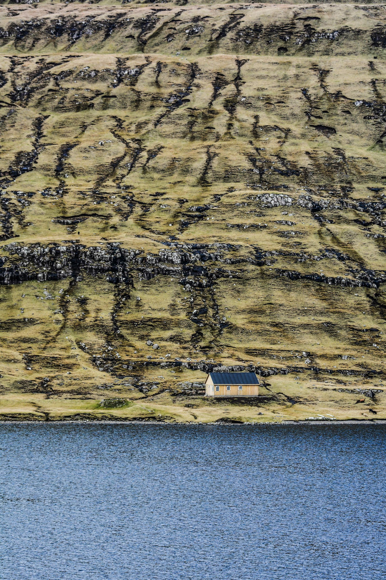 Have You Ever Seen The Cliff Top Lake of Sørvágsvatn, Faroe Islands? (14)