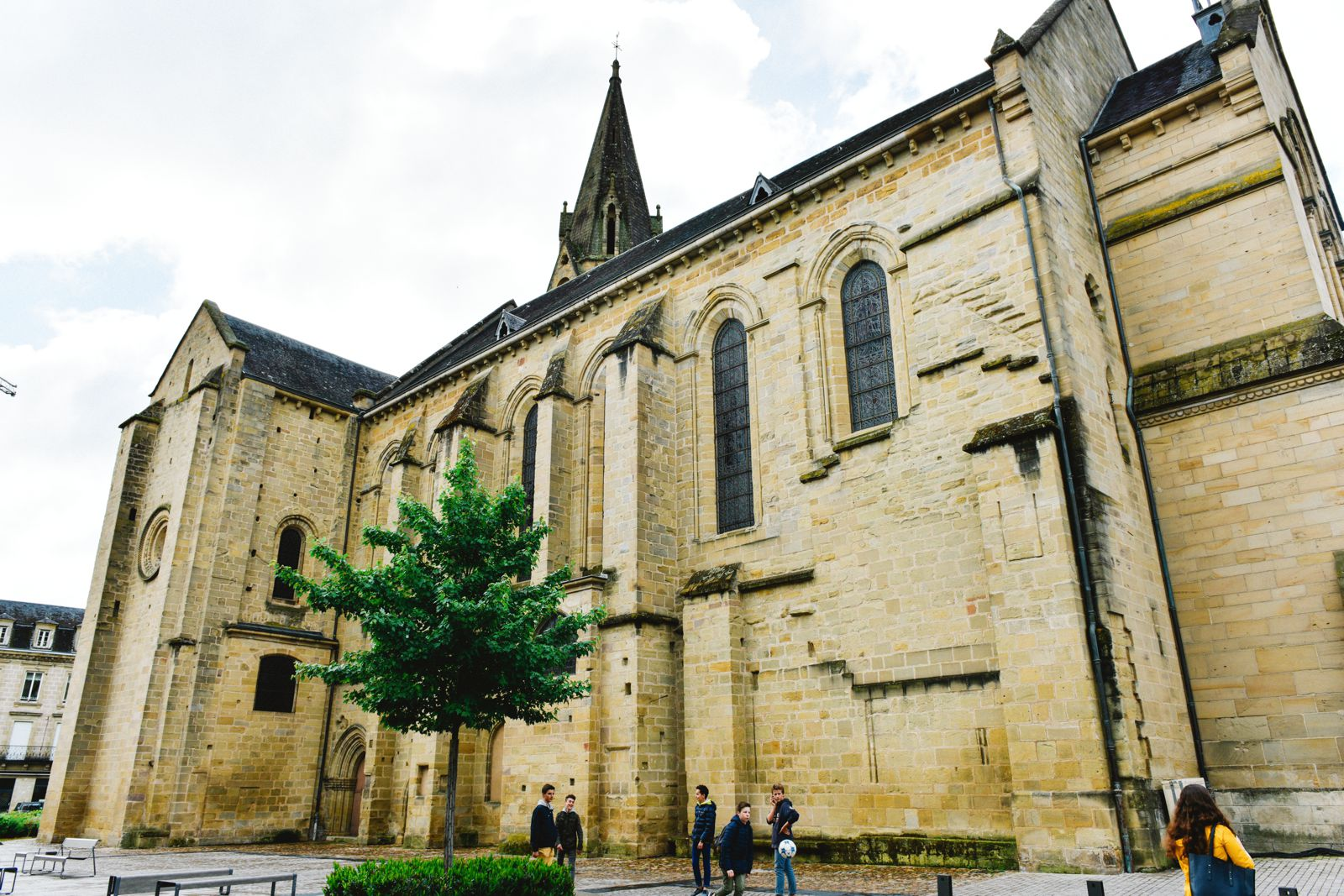 A Morning In The French Commune Of Brive-la-Gaillarde (13)
