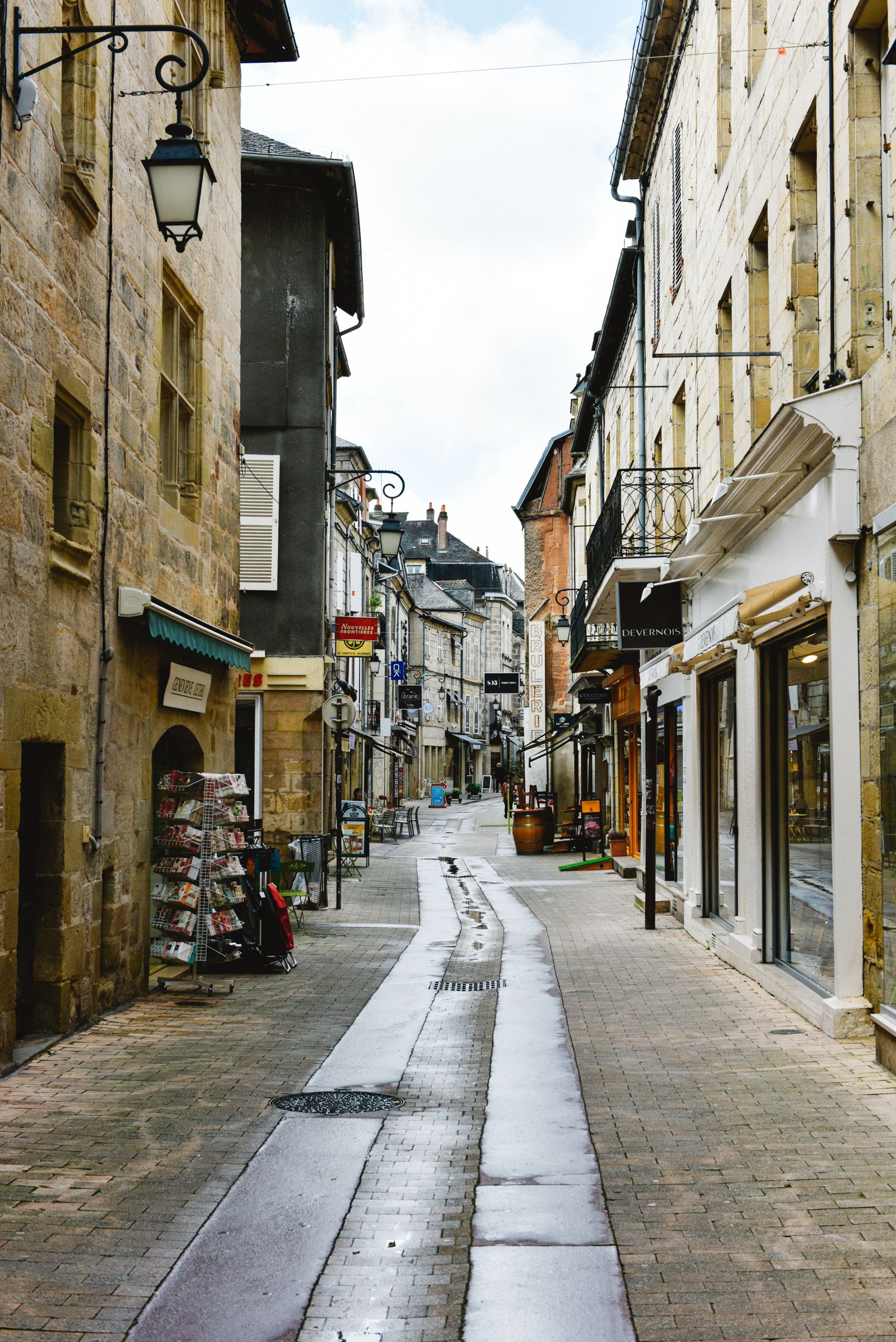A Morning In The French Commune Of Brive-la-Gaillarde (15)