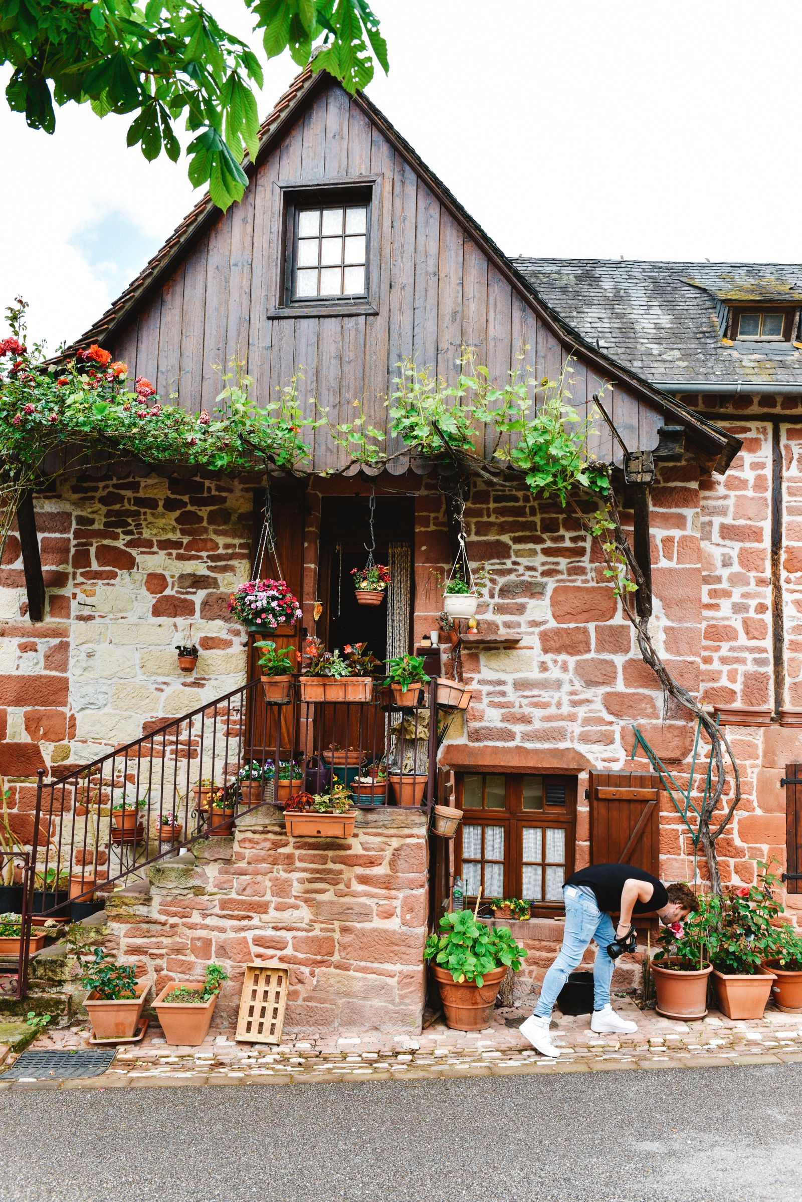 This Is The Most Beautiful Village In France - Collonges-La-Rouge (4)