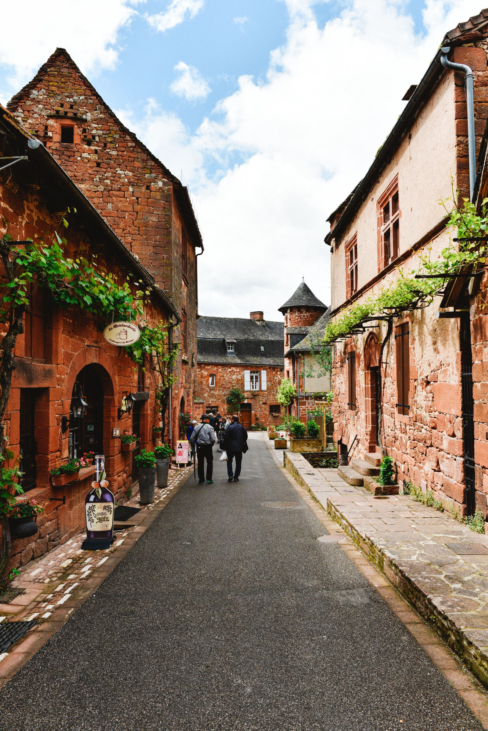 This Is The Most Beautiful Village In France - Collonges-La-Rouge (9)
