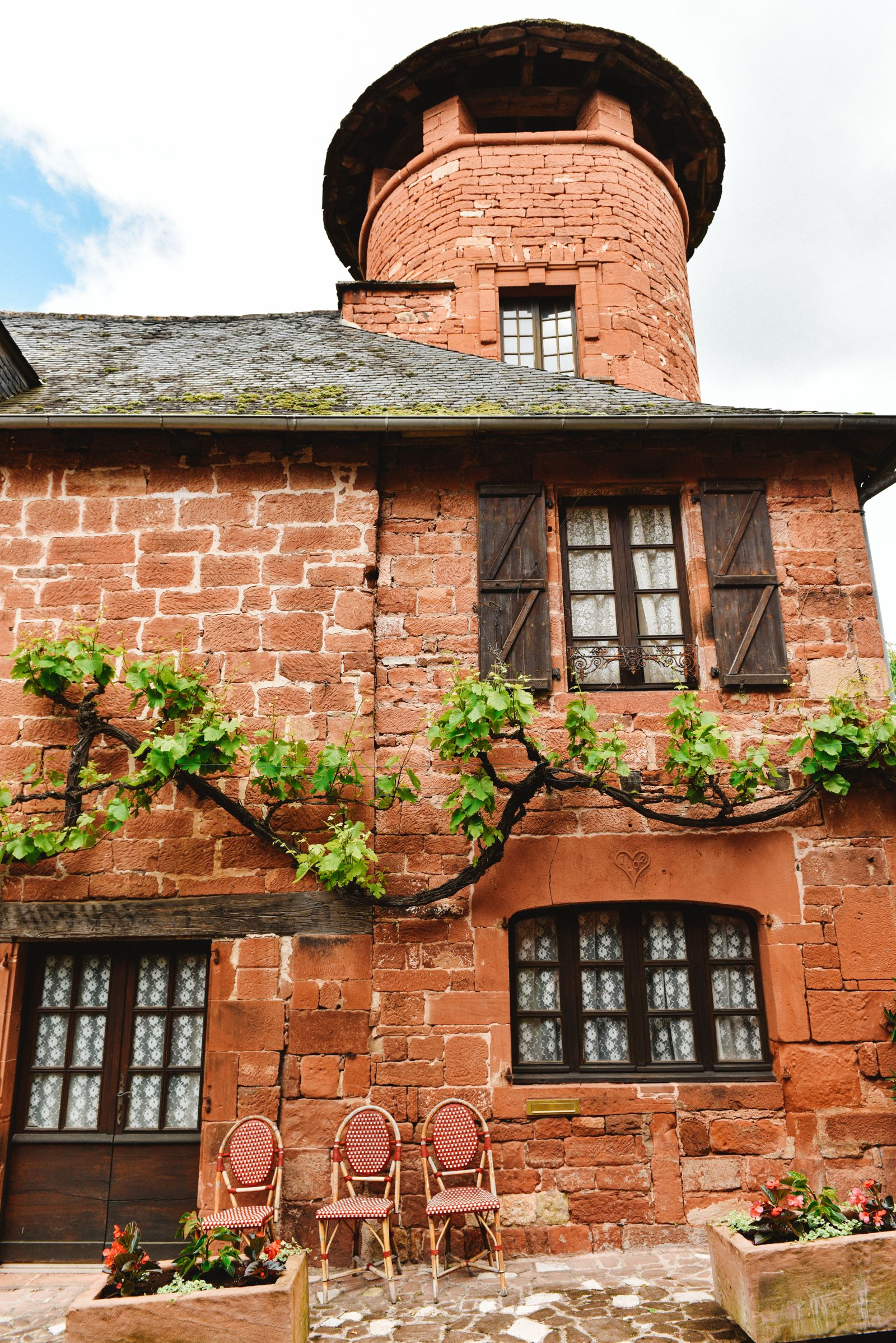 This Is The Most Beautiful Village In France - Collonges-La-Rouge (15)