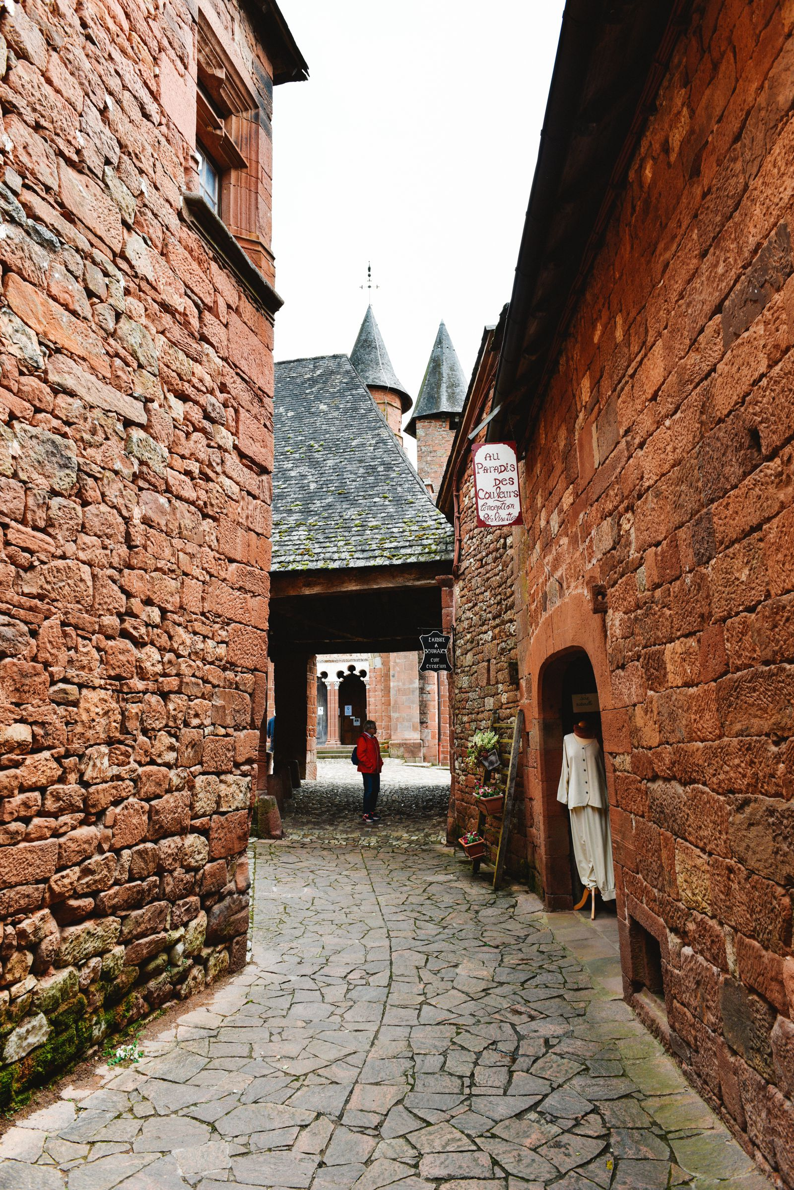 This Is The Most Beautiful Village In France - Collonges-La-Rouge (18)