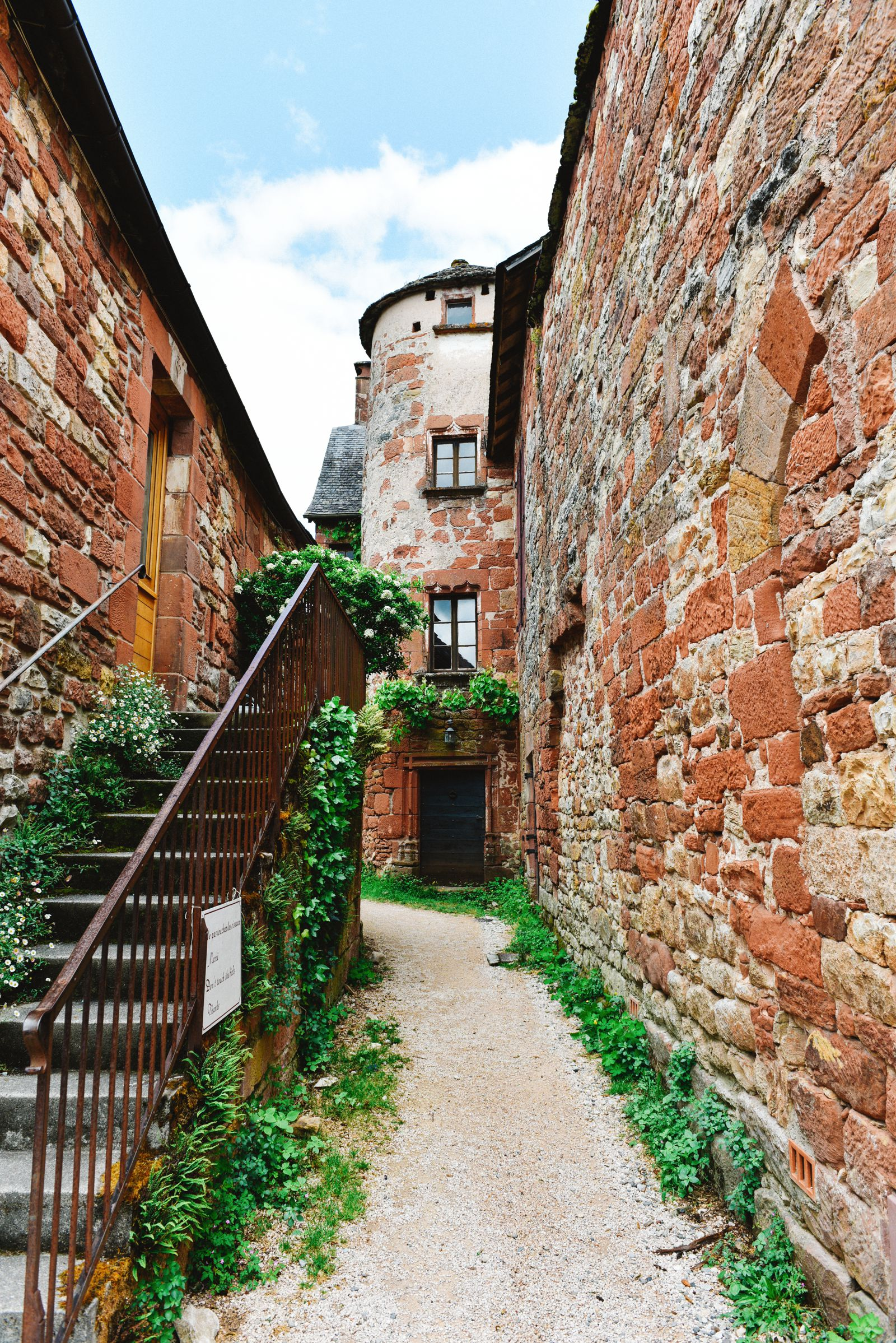 This Is The Most Beautiful Village In France - Collonges-La-Rouge (26)