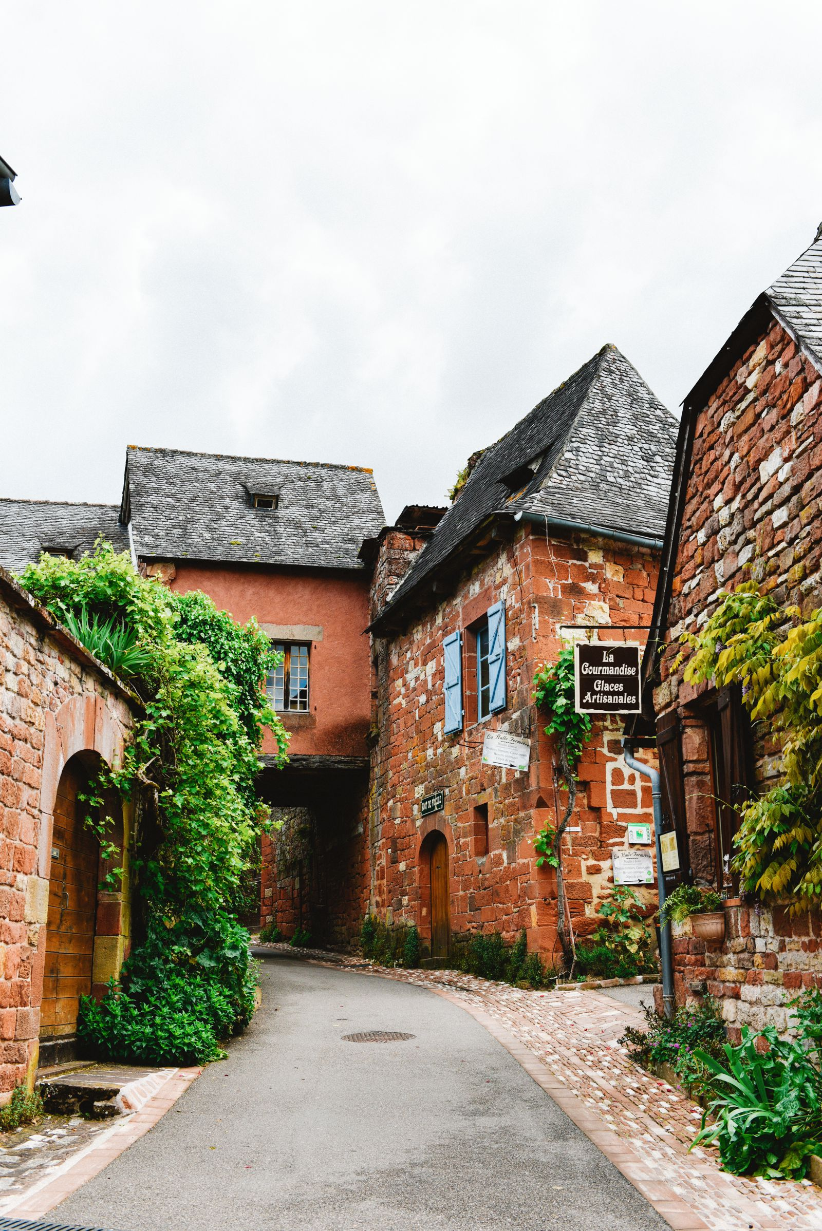 This Is The Most Beautiful Village In France - Collonges-La-Rouge (27)