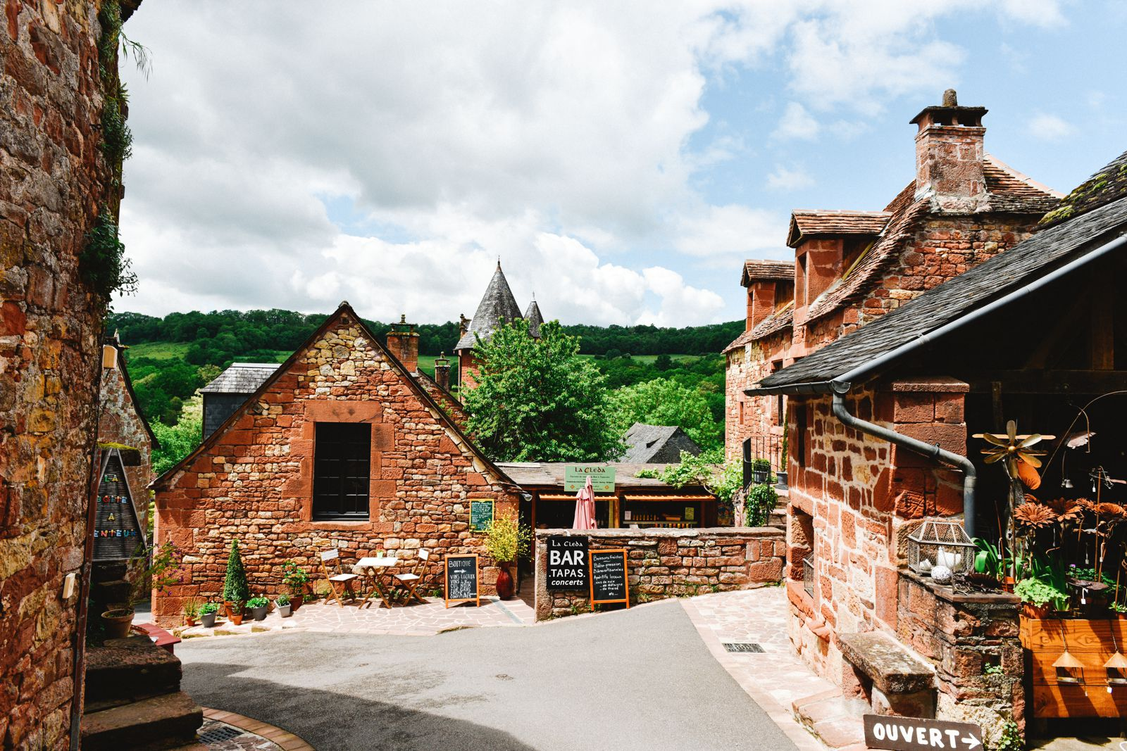 This Is The Most Beautiful Village In France - Collonges-La-Rouge (28)