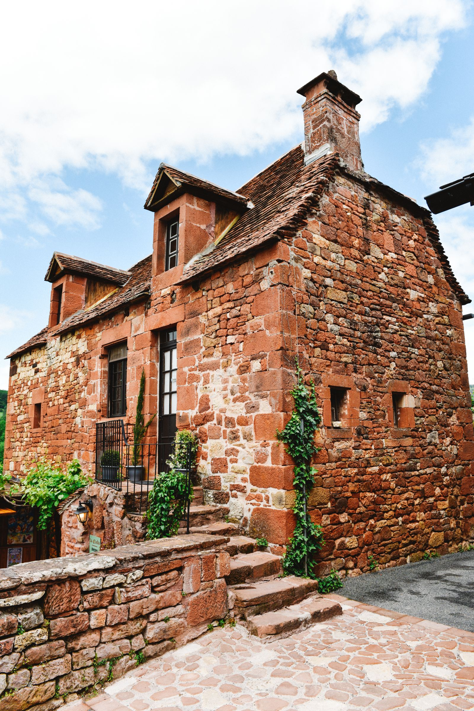 This Is The Most Beautiful Village In France - Collonges-La-Rouge (29)