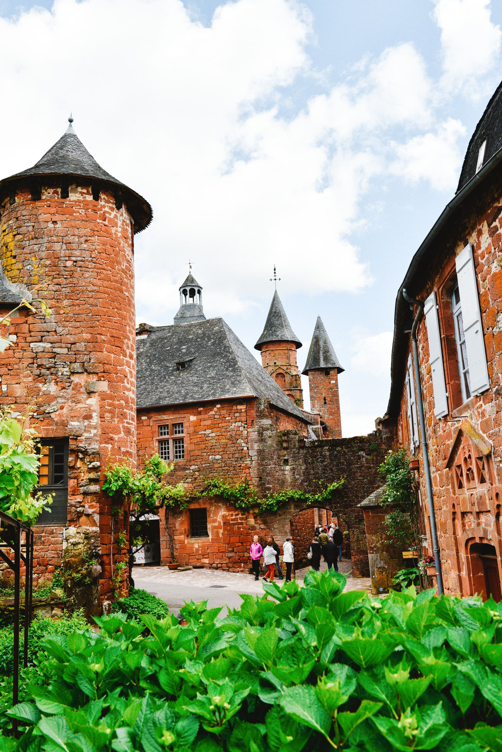 This Is The Most Beautiful Village In France - Collonges-La-Rouge (48)