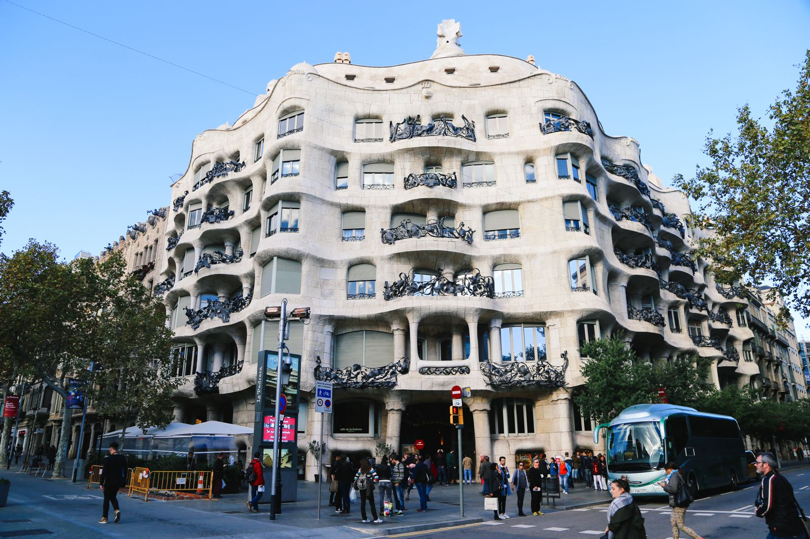 A Local's Guide To Barcelona: 27 Things You Really Need To Know About Visiting Barcelona (15)