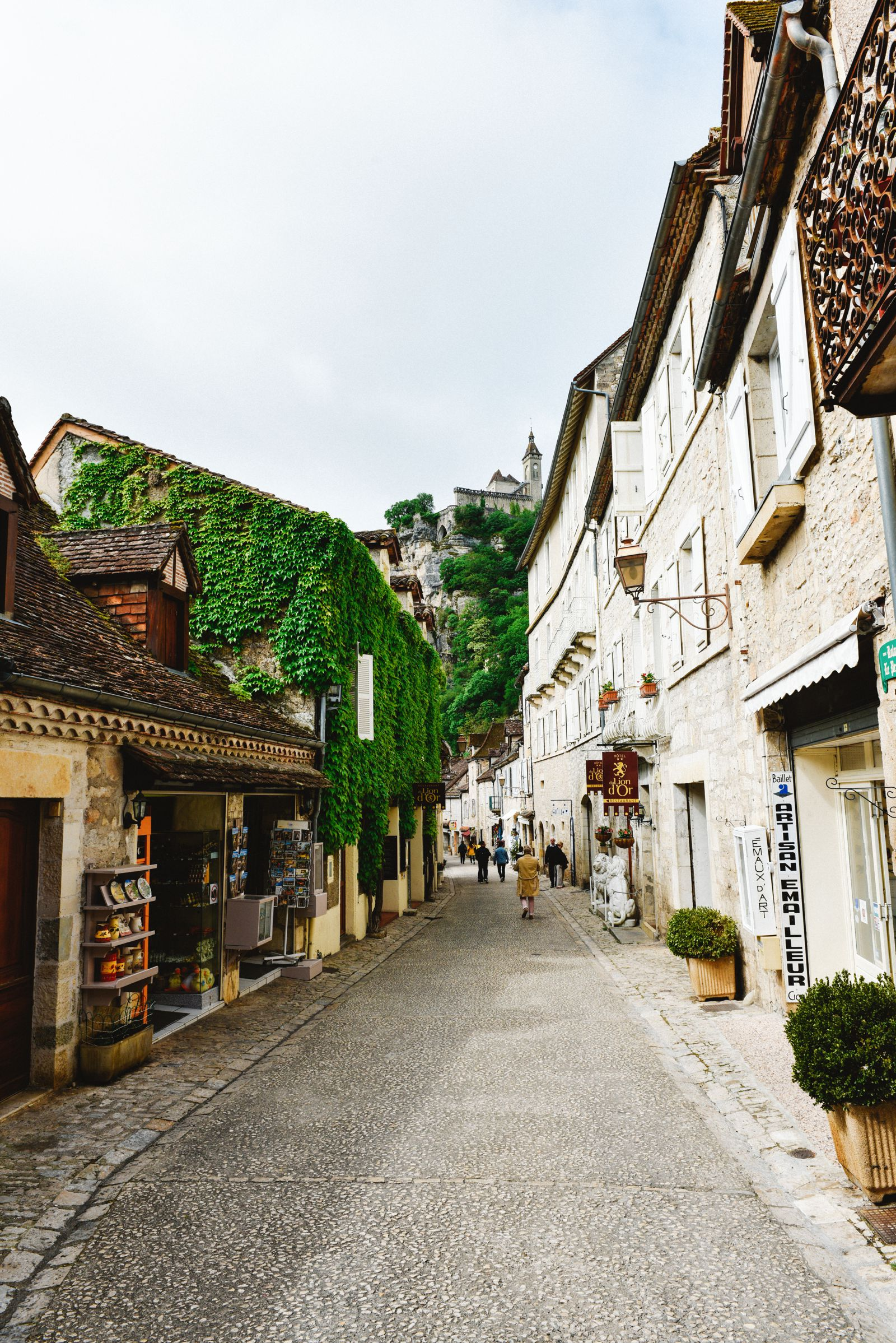 This Is The Most Dramatic Village In France - Rocamadour (10)