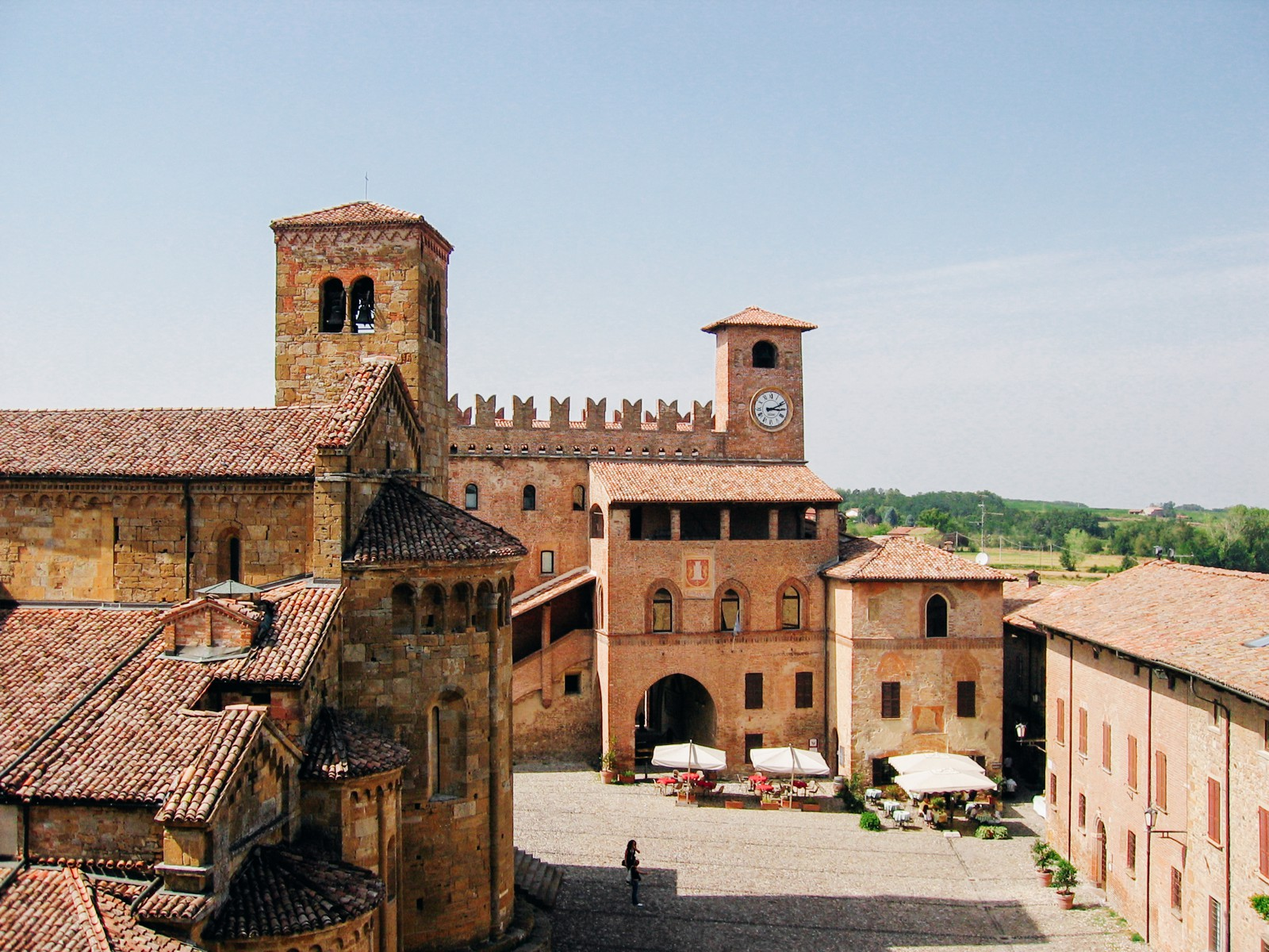 10 Amazing Castles You Have To Visit In Italy (8)