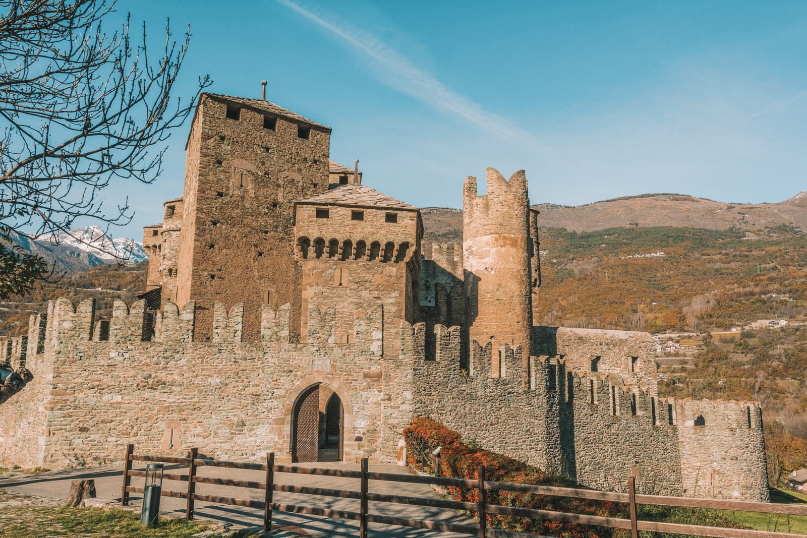 10 Very Best Castles In Italy To Visit (12)