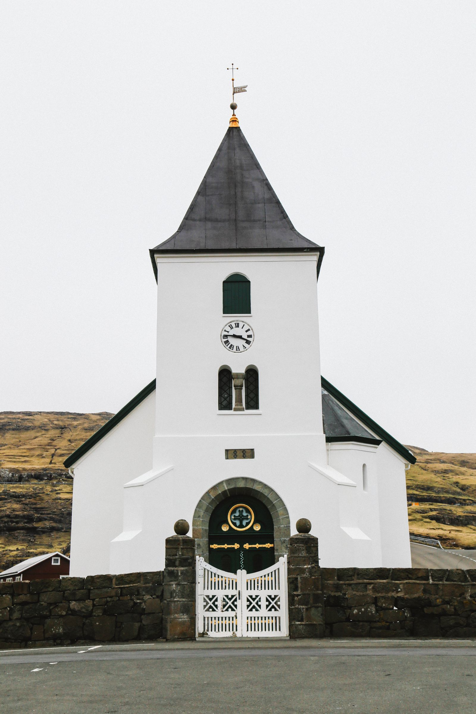 Two Of Europe's Smallest Villages That You Have To Visit In The Faroe Islands (17)