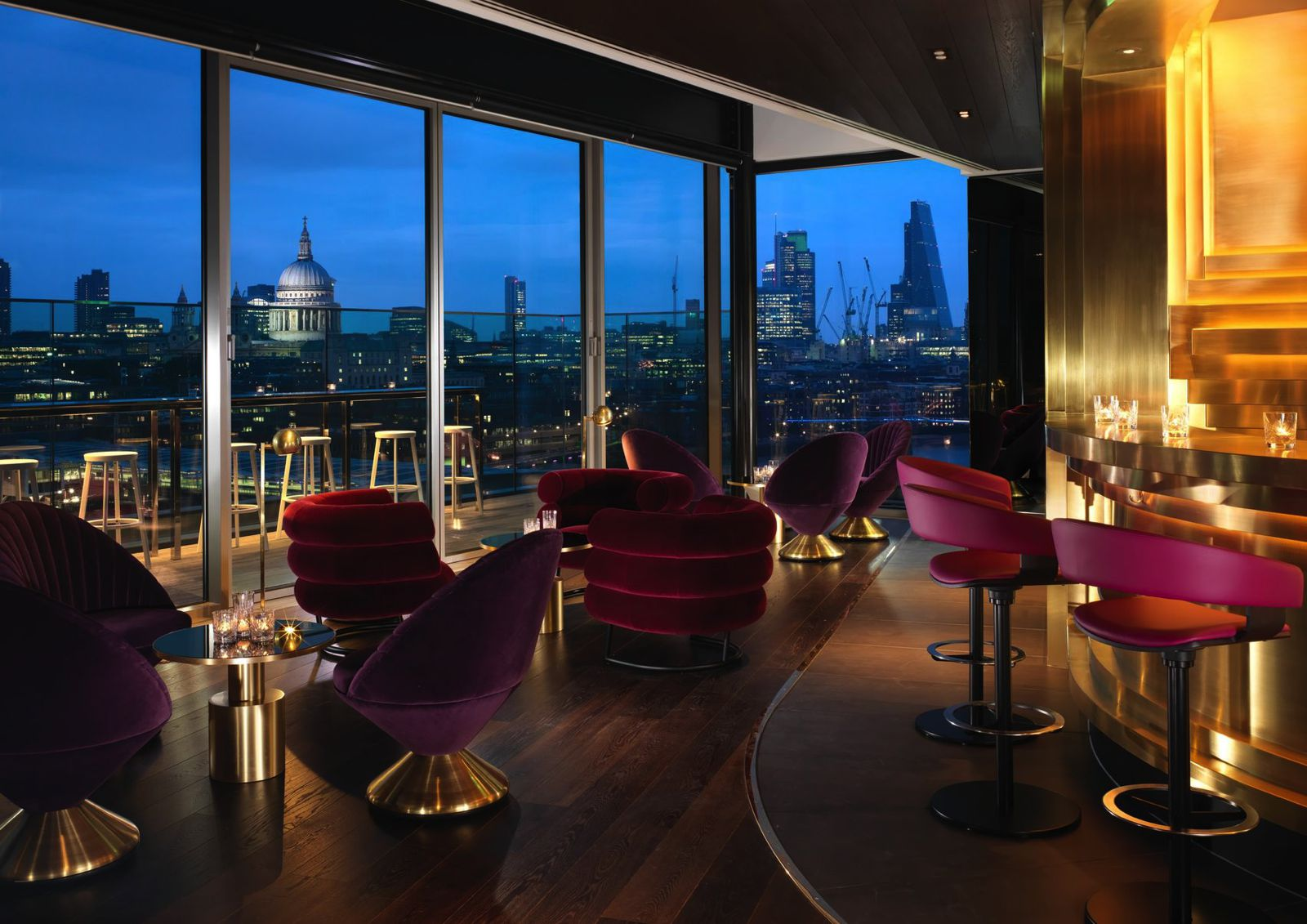 12 Iconic London Bars With Breathtaking Views Across The City (9)