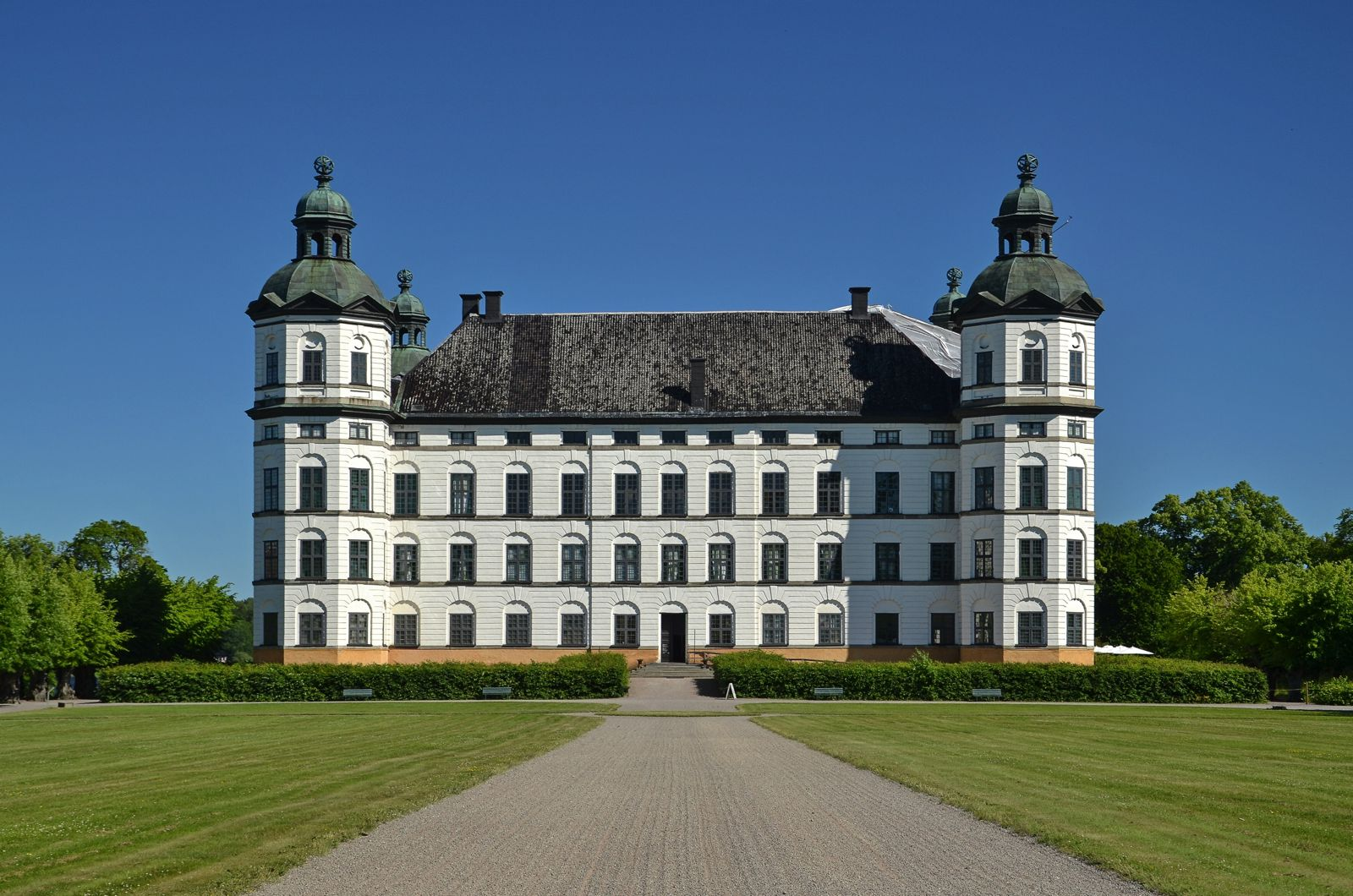 12 Magnificent Castles You Wouldn't Expect To See When Visiting Sweden (11)