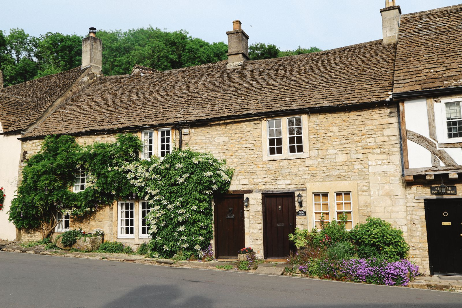 Exploring One Of England's Most Beautiful Villages - Castle Combe (29)