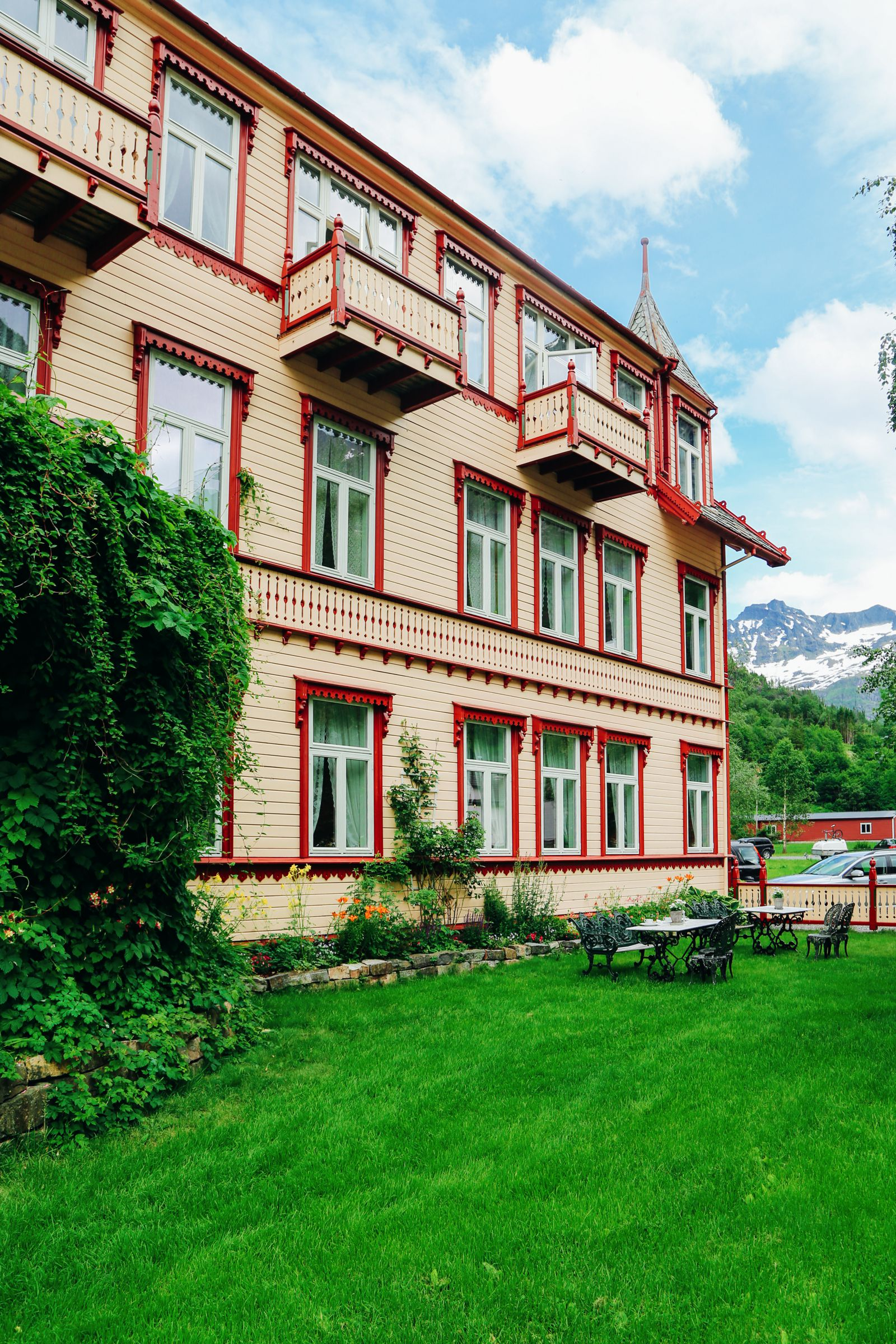 Experiencing An Old Part Of Norway's Royal History... Hotel Union Oye (24)