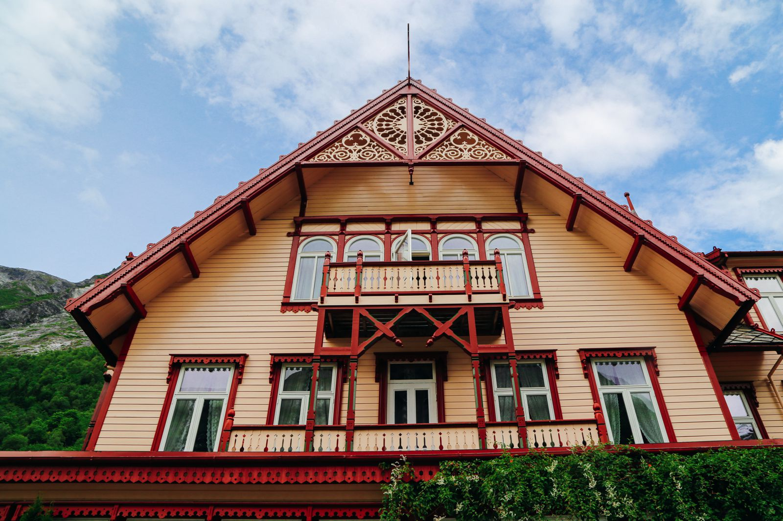 Experiencing An Old Part Of Norway's Royal History... Hotel Union Oye (26)