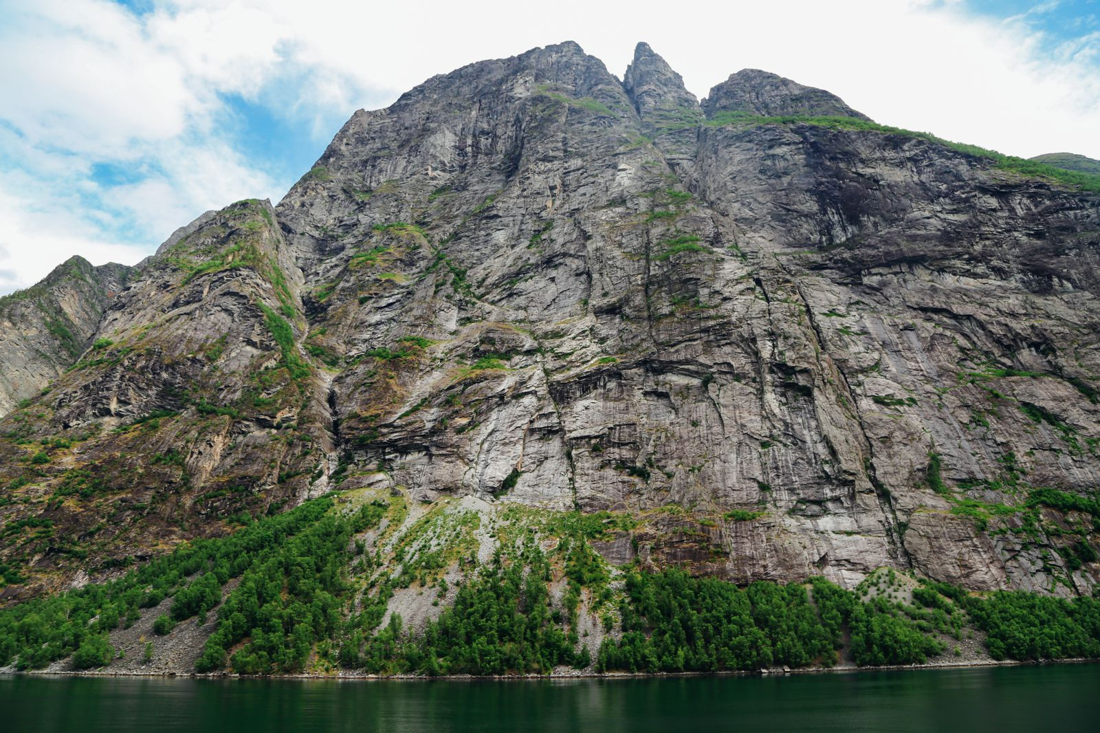 A Journey Through The Beautiful Geirangerfjord, Norway (19)