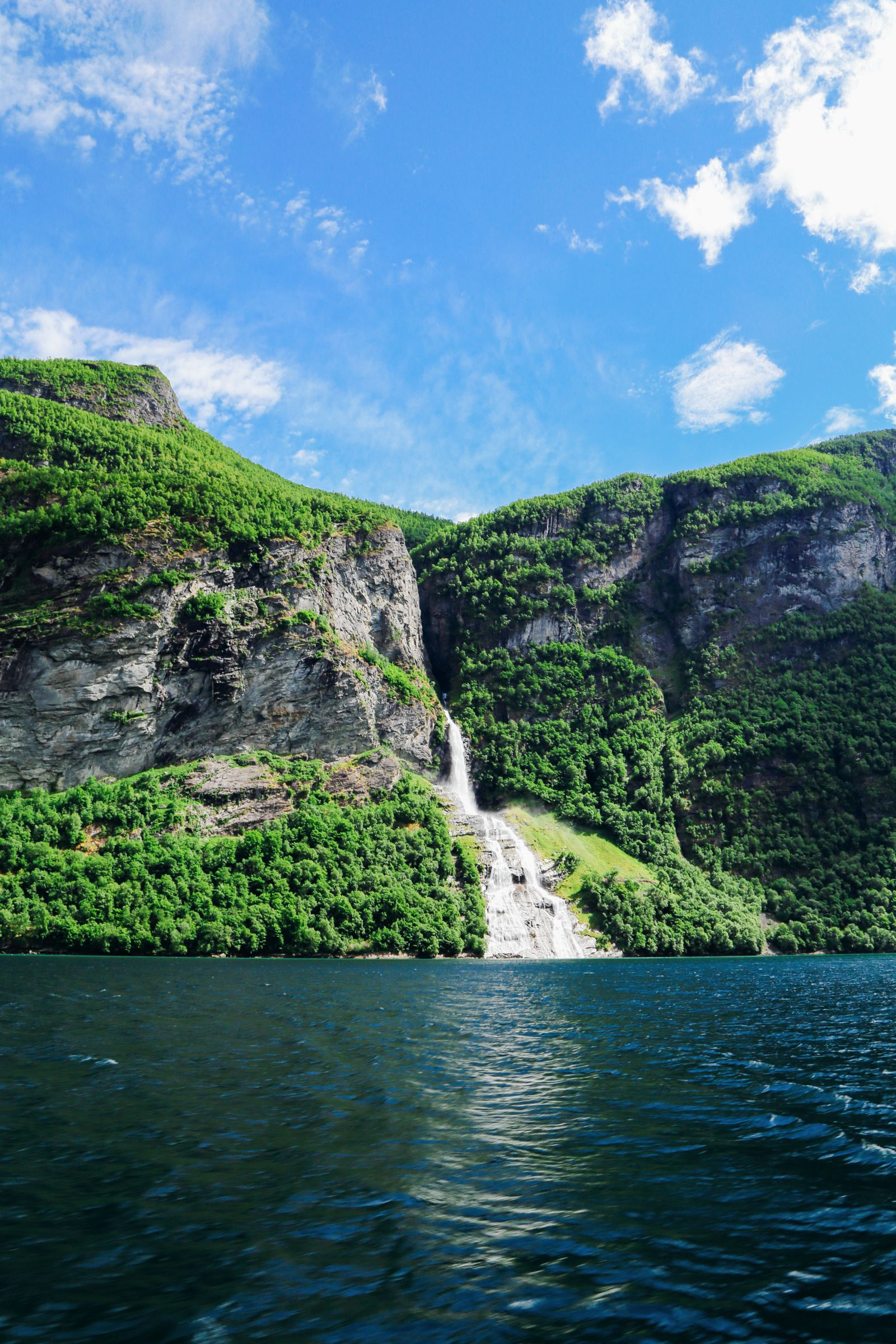 Rib-Boating The Geirangerfjord (17)