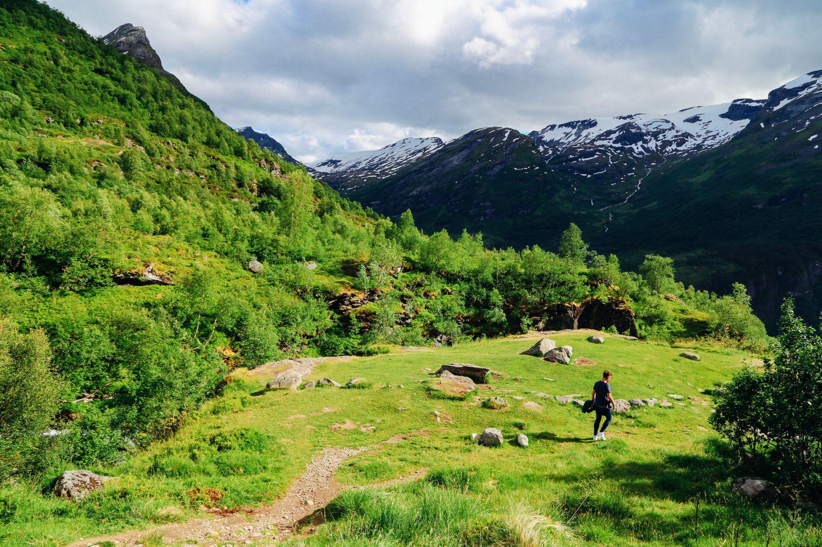 Exploring Storseterfossen Waterfall - A Waterfall In Norway You Can Walk Behind! (8)