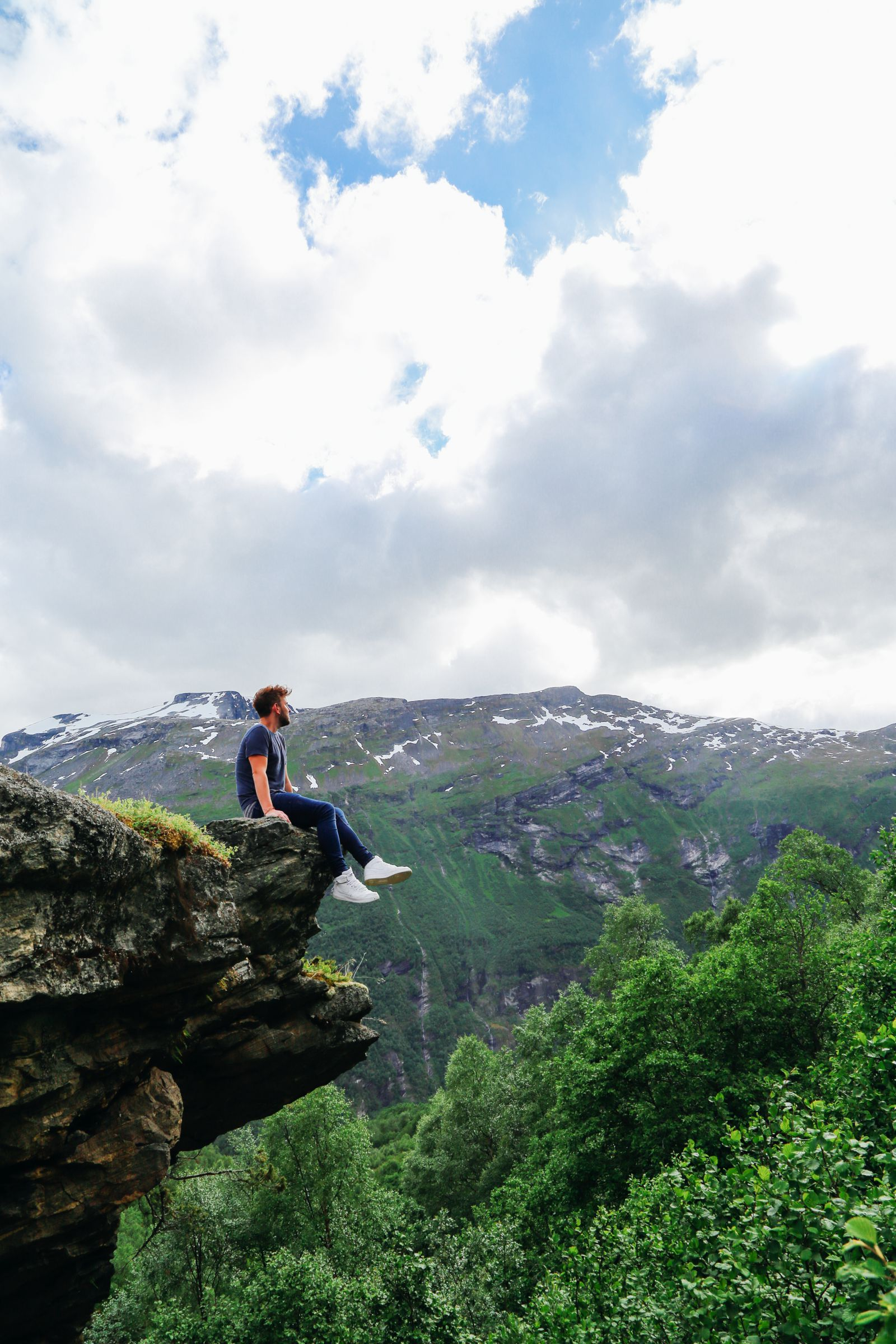 Exploring Storseterfossen Waterfall - A Waterfall In Norway You Can Walk Behind! (13)