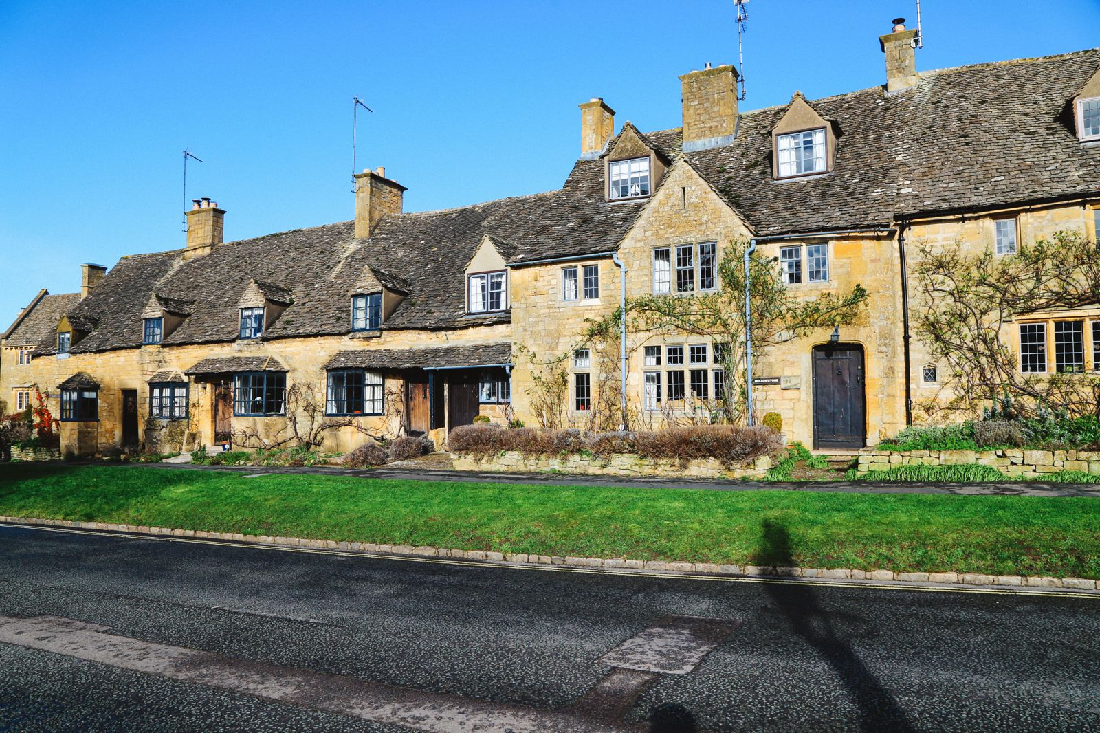 An Afternoon In The English Villages Of Broadway And Bourton-On-The-Water... The Cotswolds, England (18)