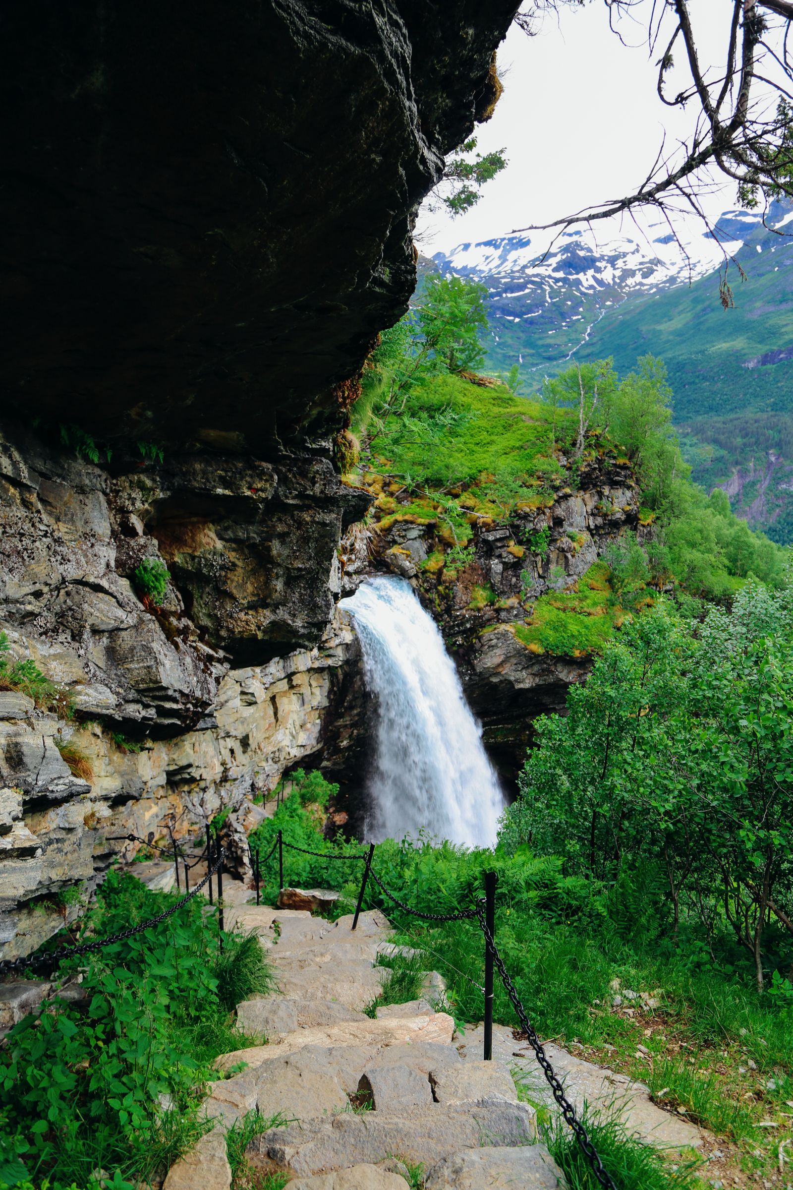 Exploring Storseterfossen Waterfall - A Waterfall In Norway You Can Walk Behind! (17)