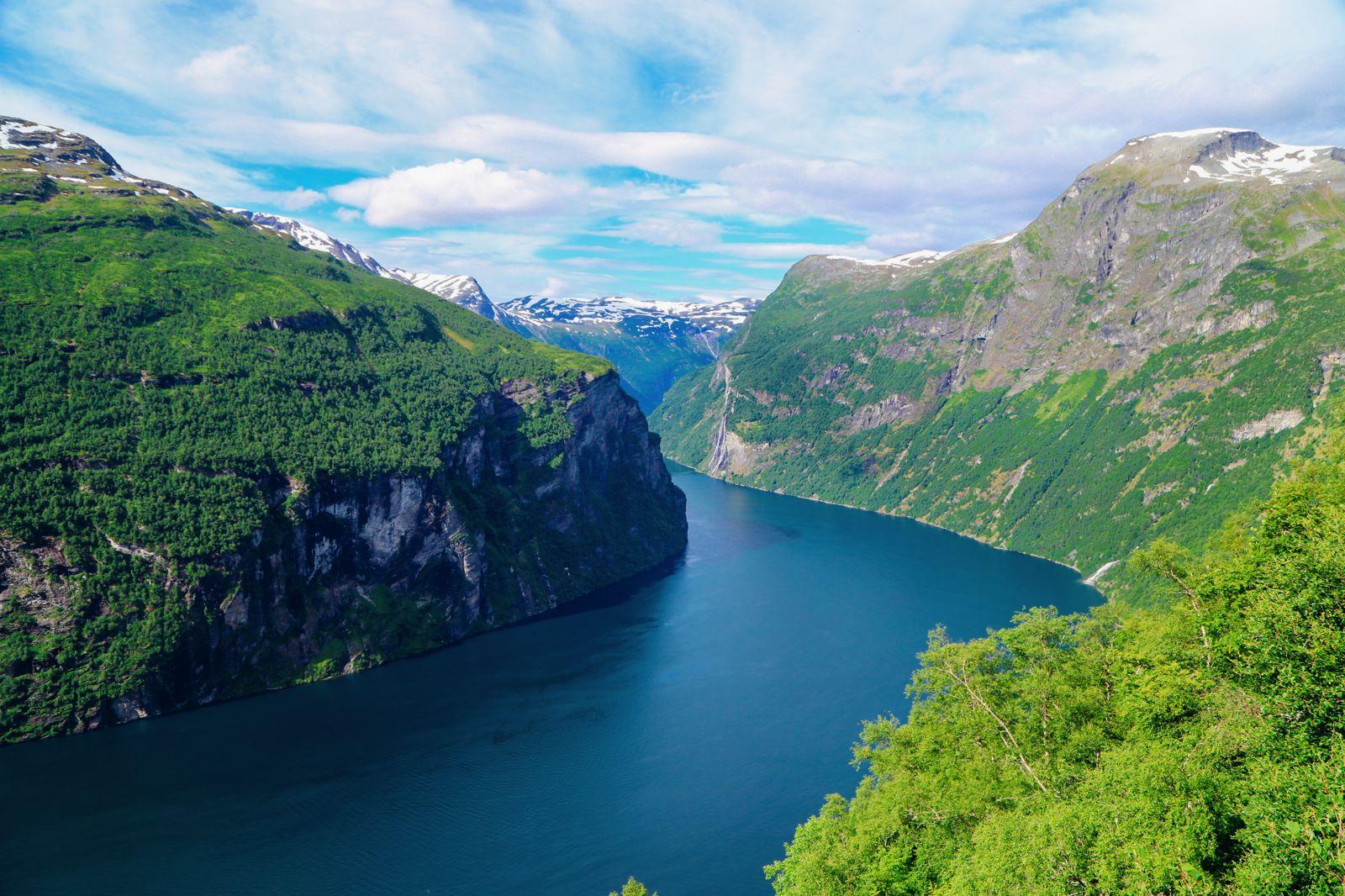 Exploring Storseterfossen Waterfall - A Waterfall In Norway You Can Walk Behind! (36)