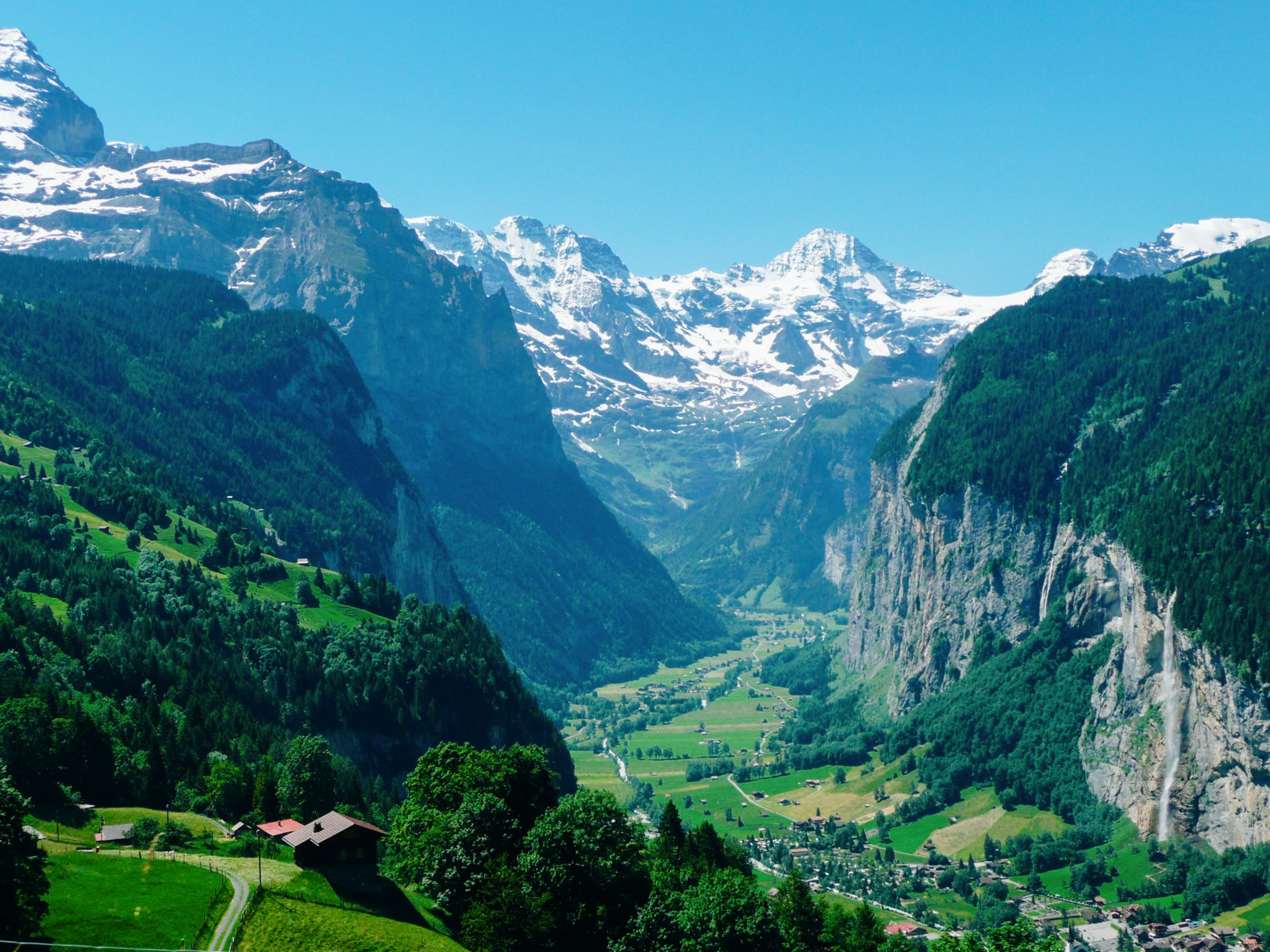 9 OffBeat Places You Have To Visit On A Road Trip In Switzerland (5)
