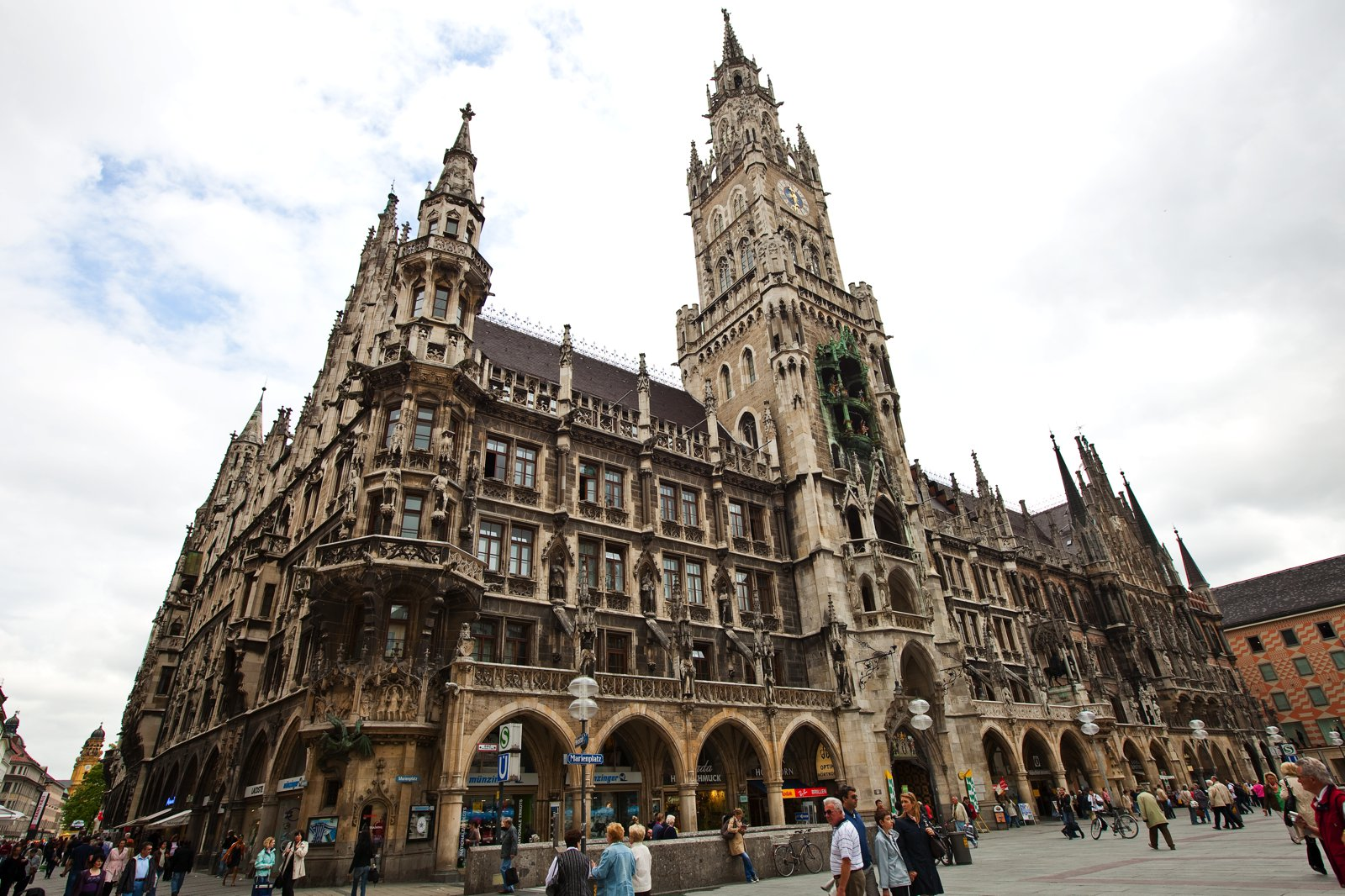 11 Amazing Sights You Have To See In Munich, Germany (5)