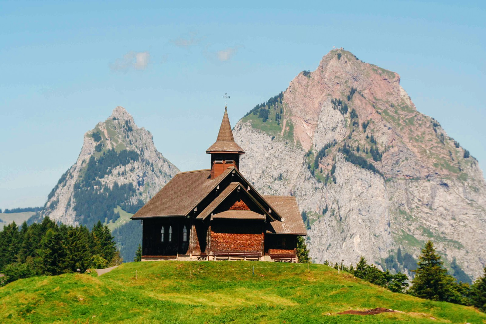 9 OffBeat Places You Have To Visit On A Road Trip In Switzerland (4)