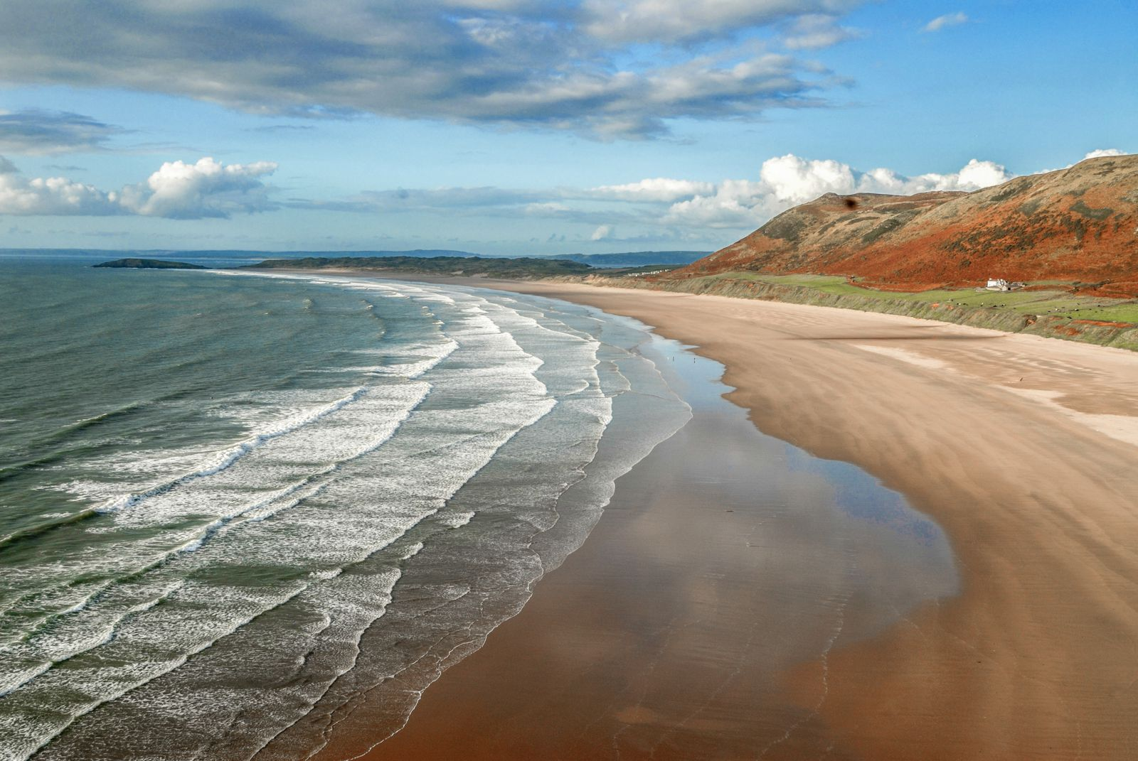12 Places You Have To Visit On A Road Trip Across Wales (8)