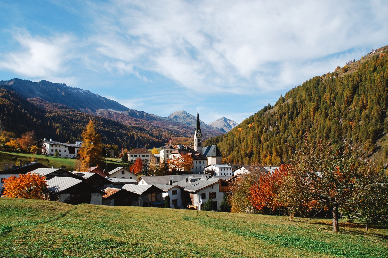 9 OffBeat Places You Have To Visit On A Road Trip In Switzerland (3)