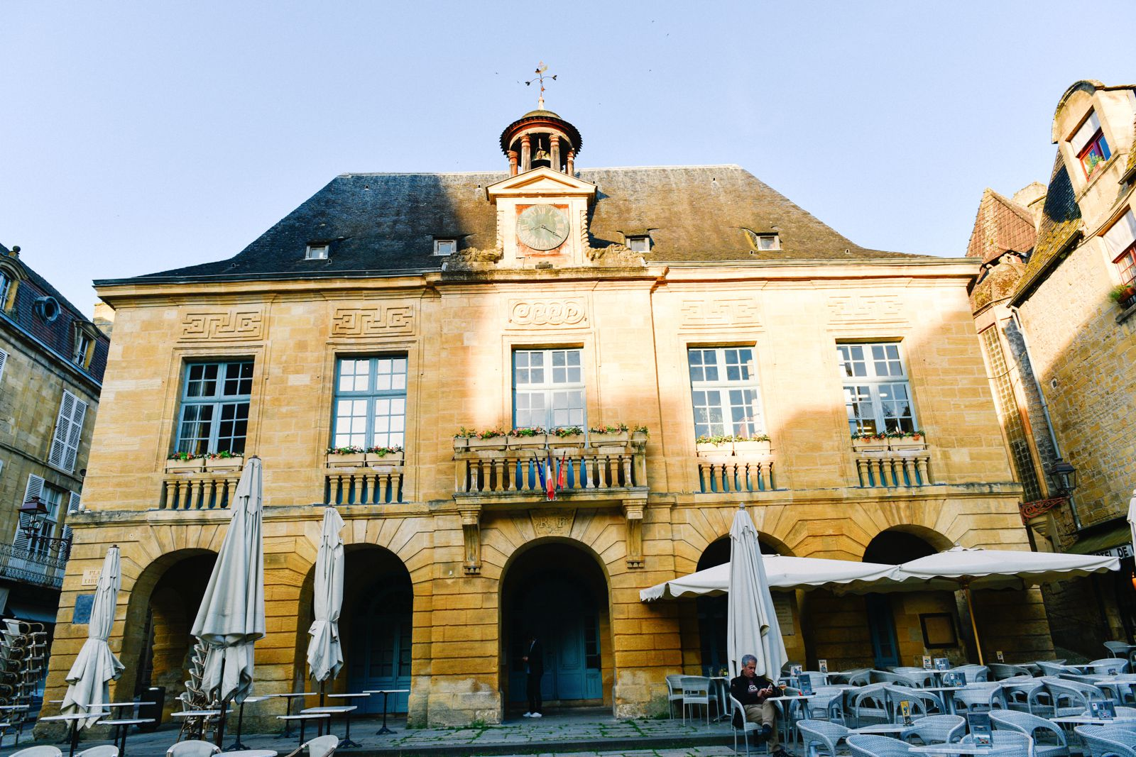 The Old Historic French Town Of Sarlat (15)