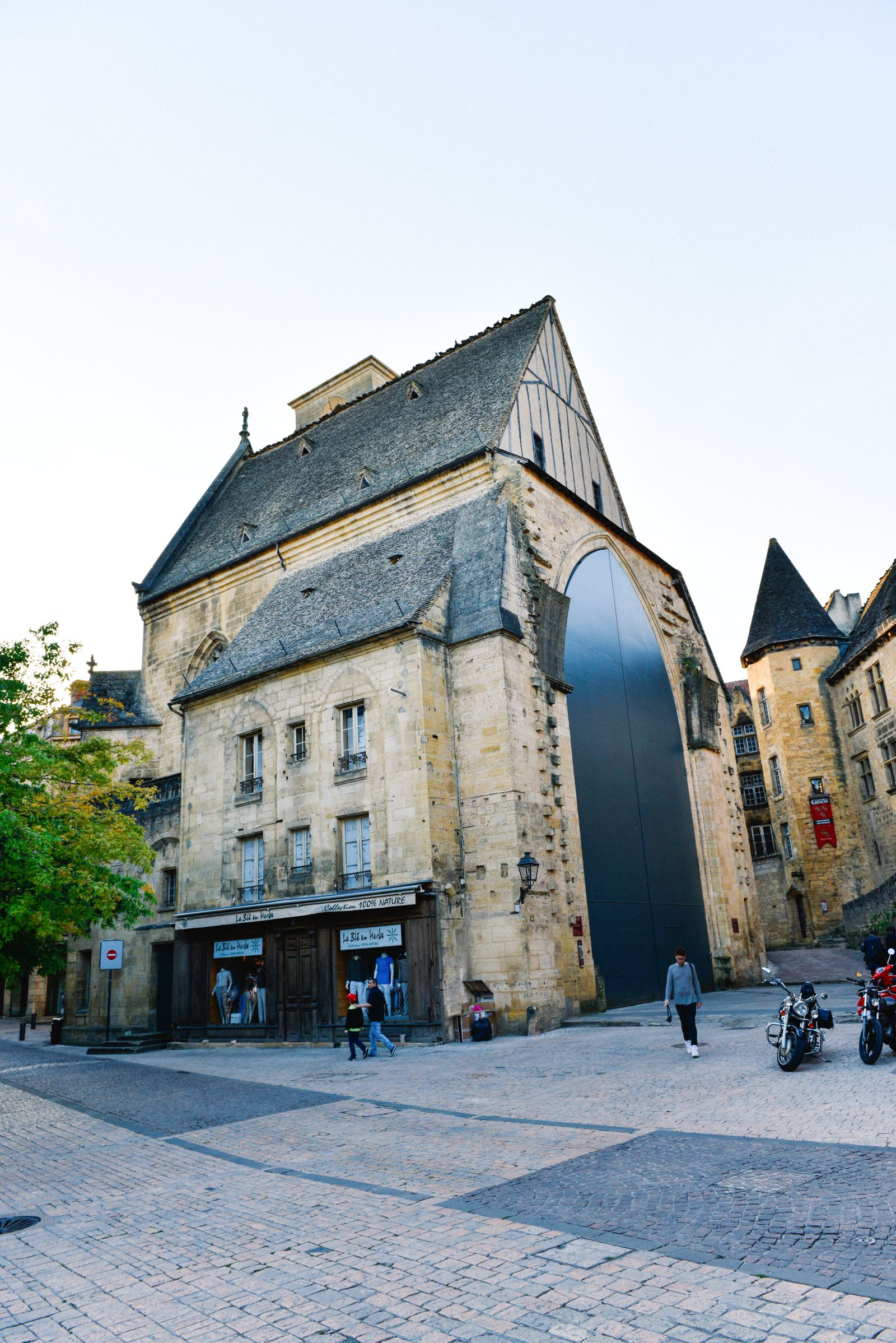 The Old Historic French Town Of Sarlat (17)