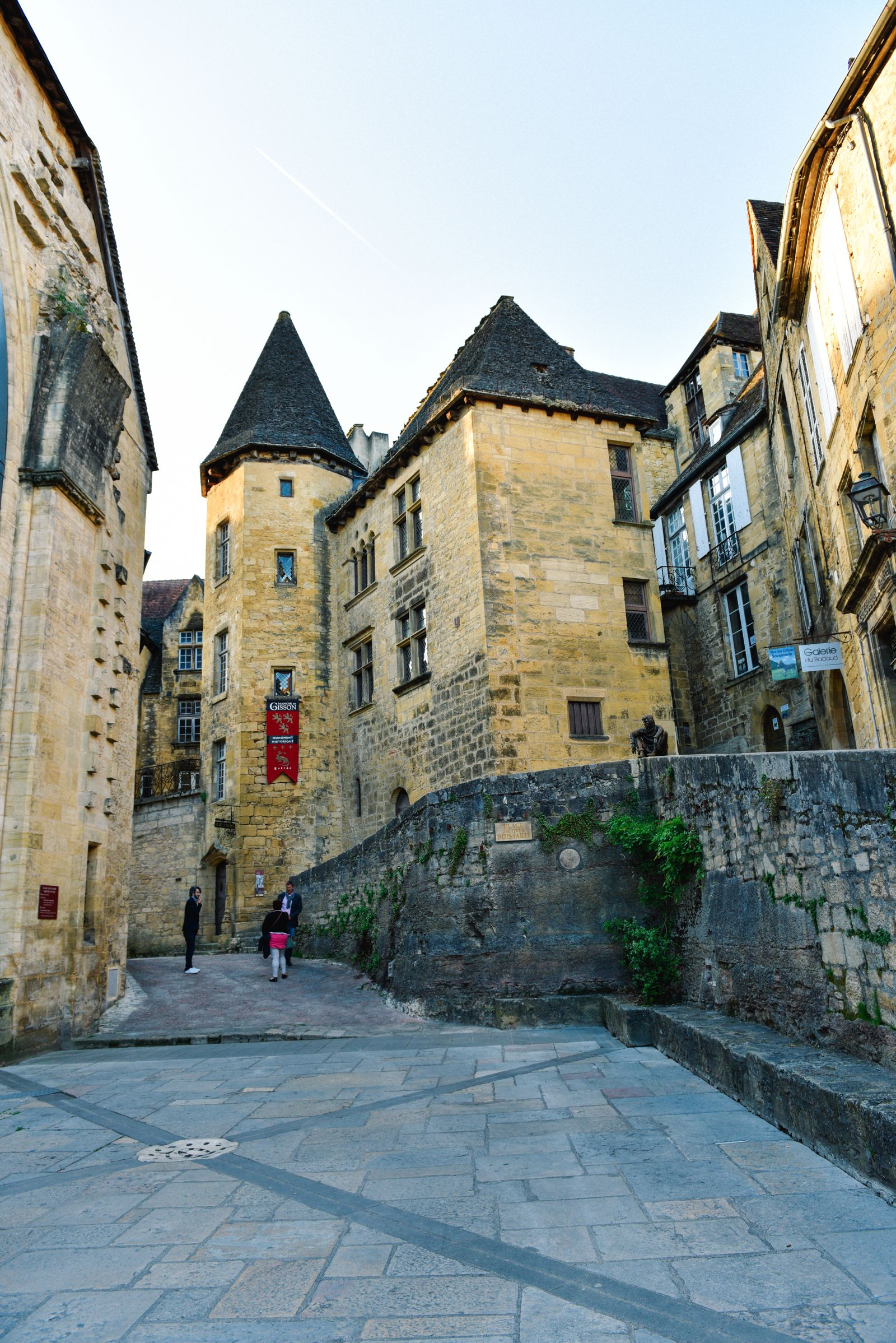 The Old Historic French Town Of Sarlat (18)