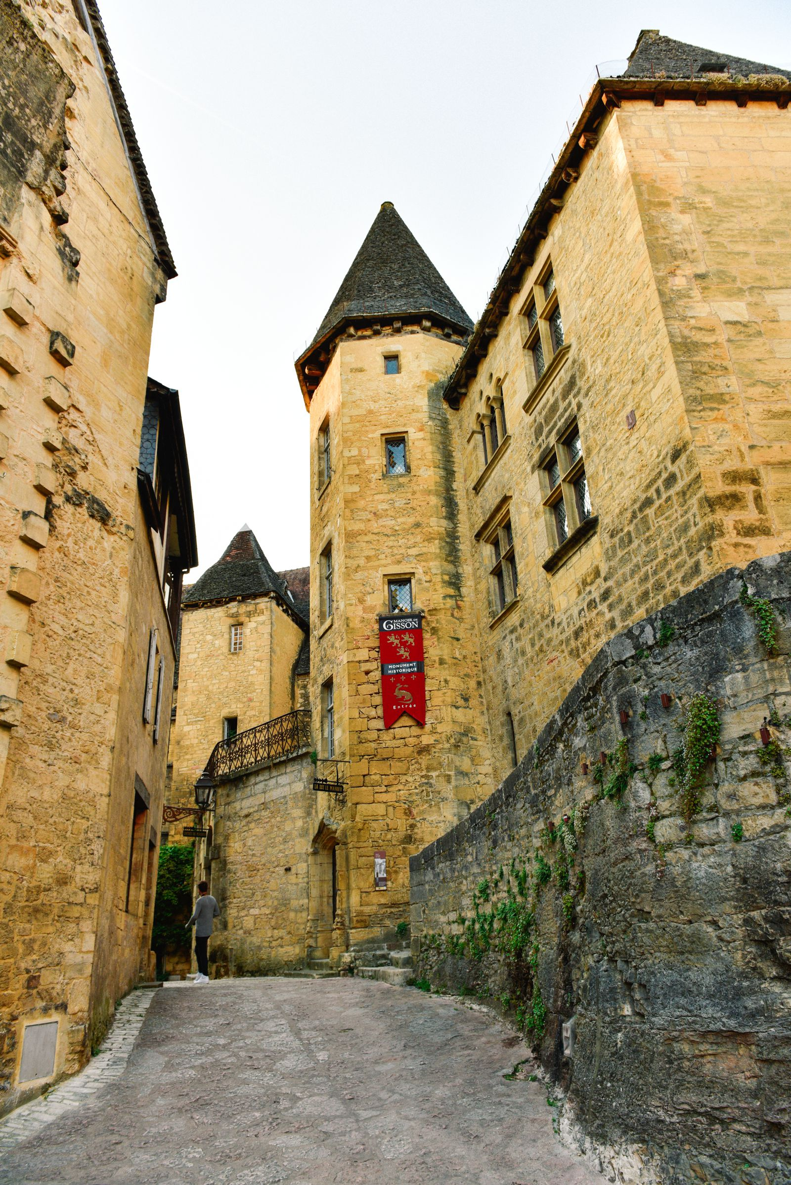 The Old Historic French Town Of Sarlat (21)