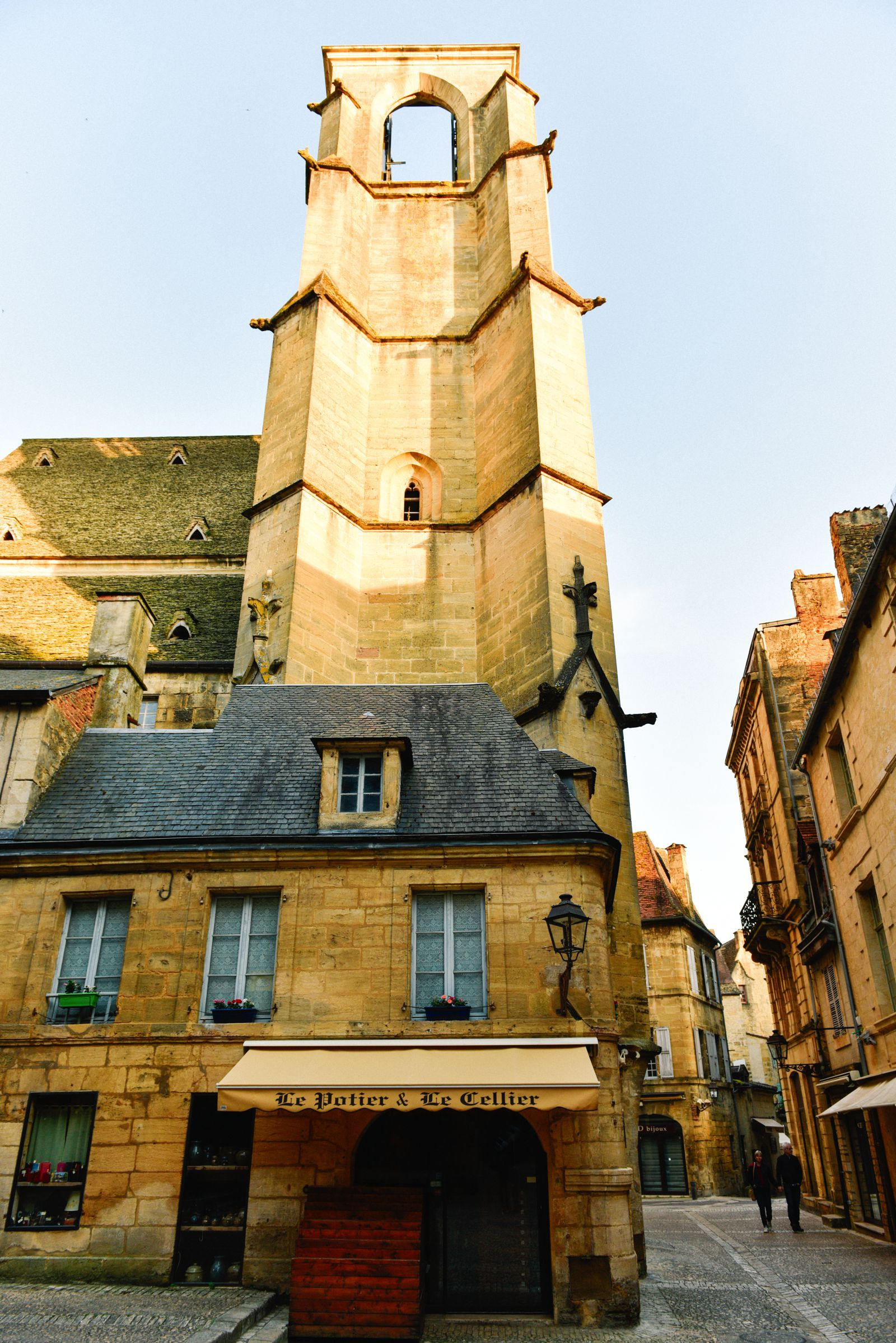 The Old Historic French Town Of Sarlat (27)