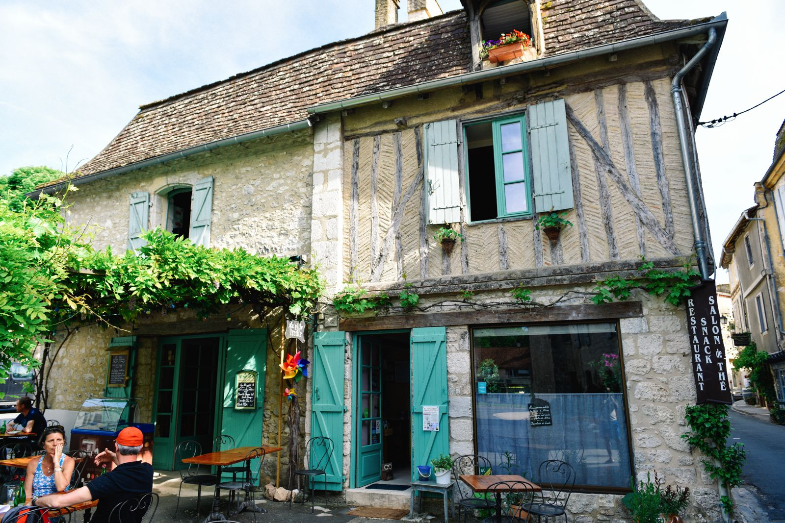 Charming Issigeac... The Medieval Village In France's Dordogne Valley (14)