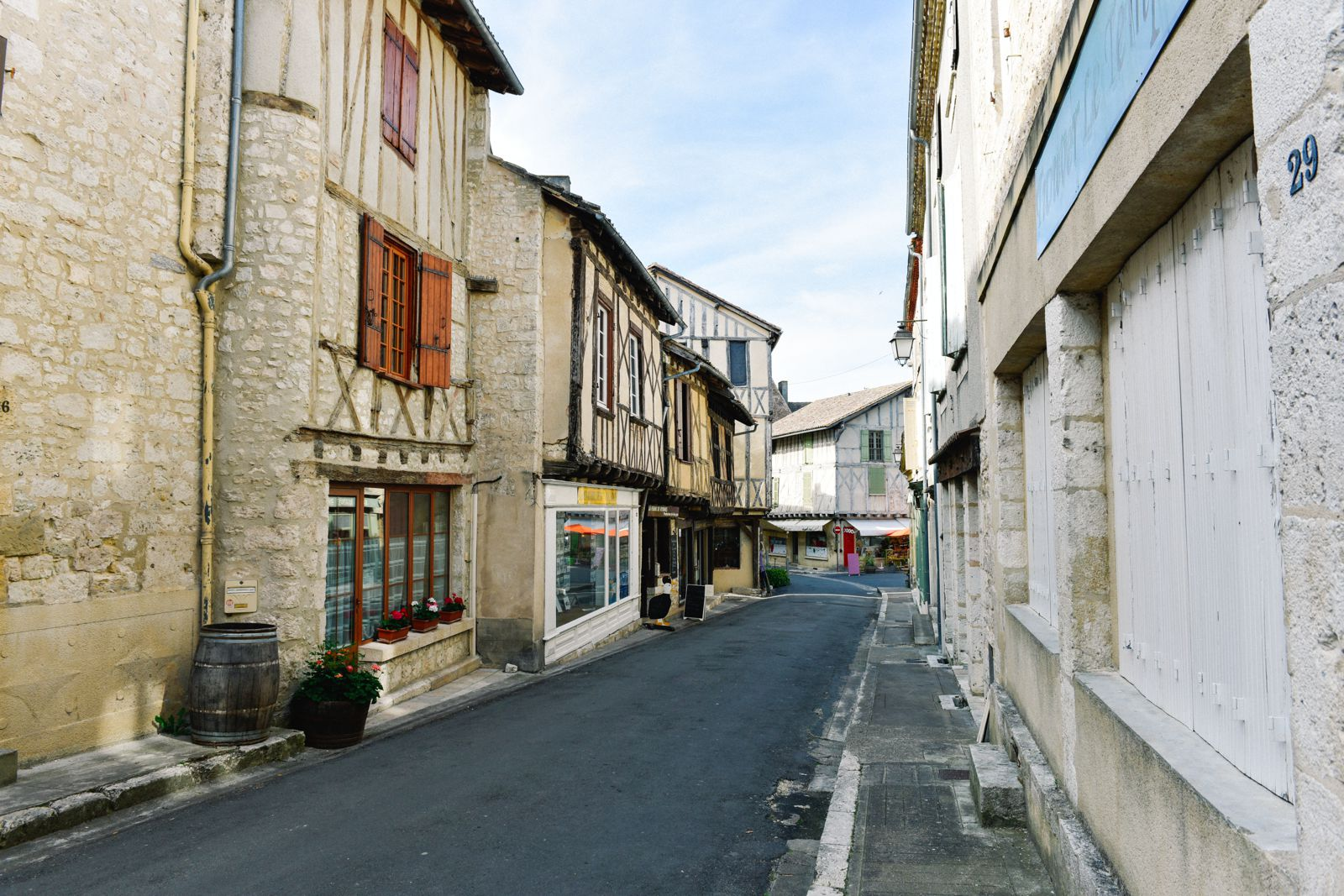 Charming Issigeac... The Medieval Village In France's Dordogne Valley (18)