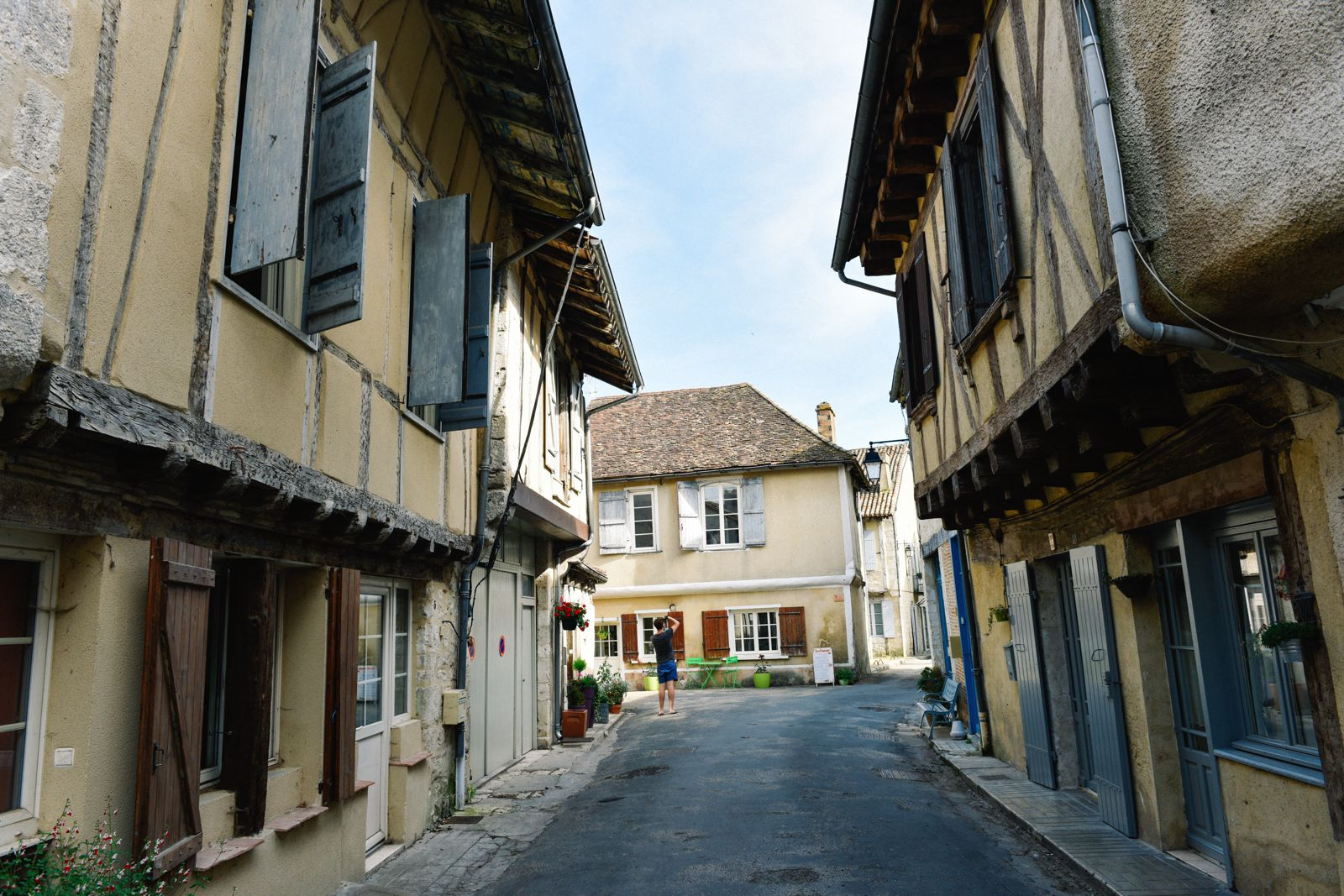 Charming Issigeac... The Medieval Village In France's Dordogne Valley (20)