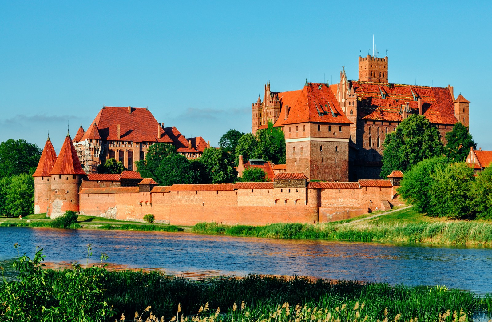10 Amazing Castles You Have To Visit In Poland (5)