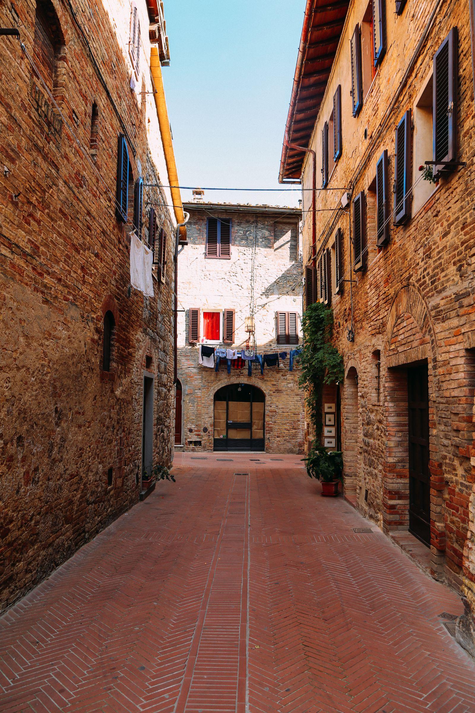 The Beautiful Italian Town Of San Gimignano (15)