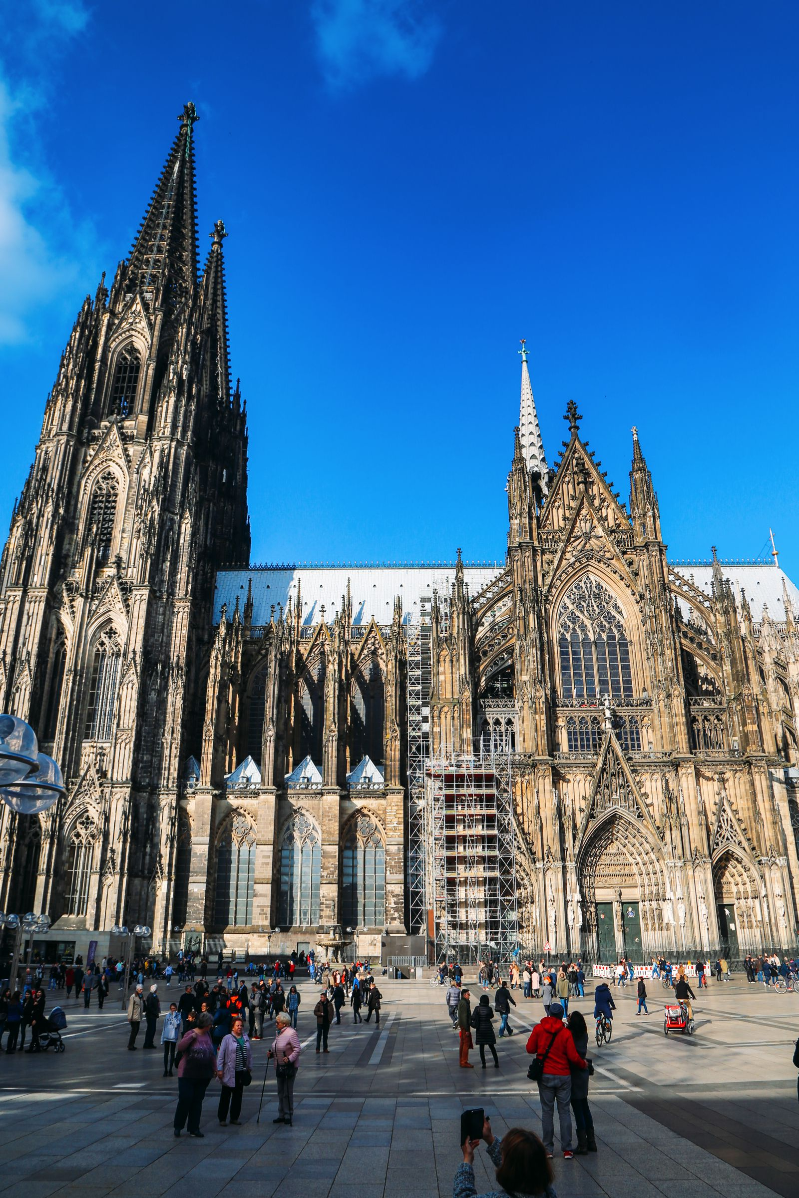 Finding The Best View In Cologne, Germany (7)