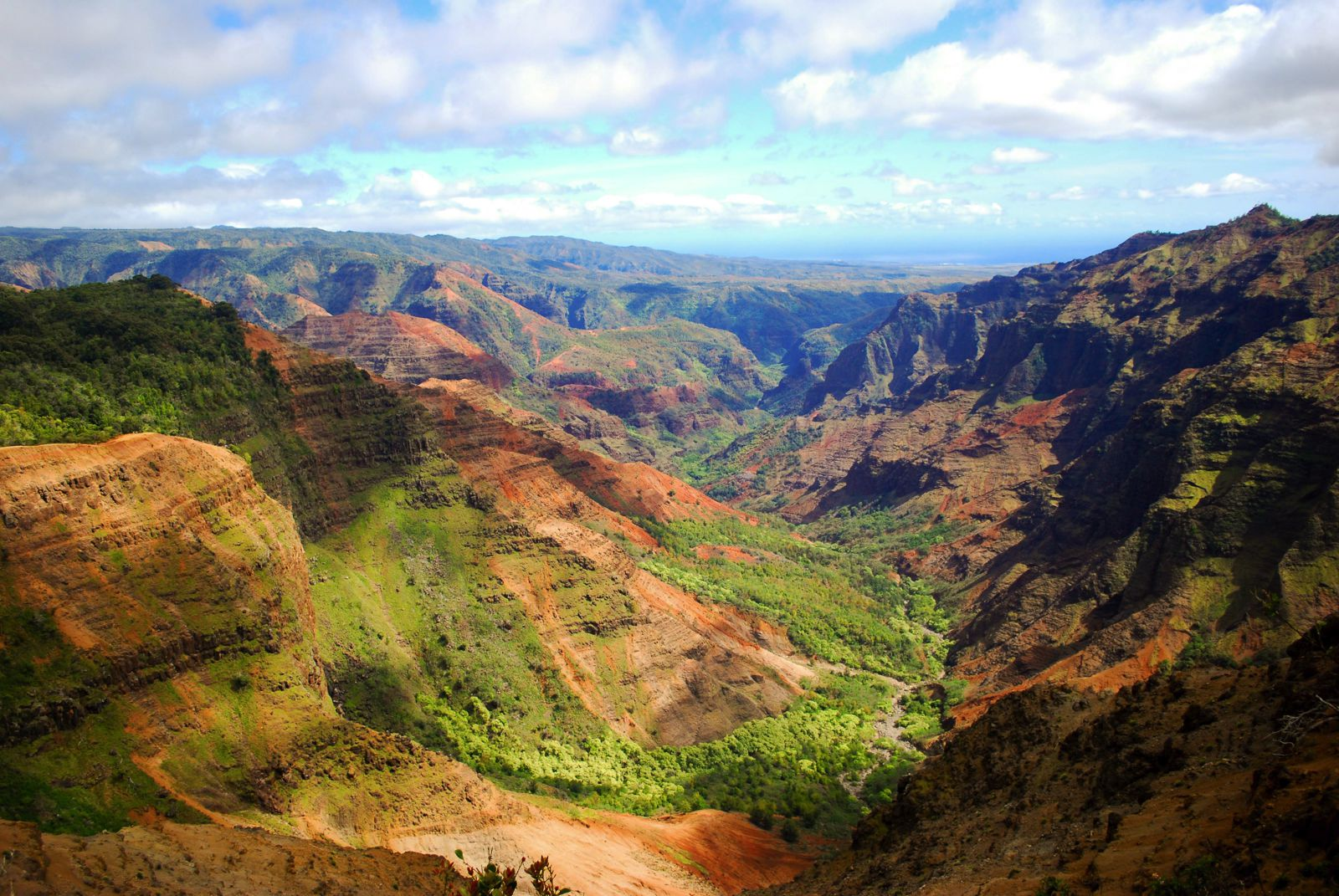 9 Sights In Hawaii You Must See On Your First Visit (6)